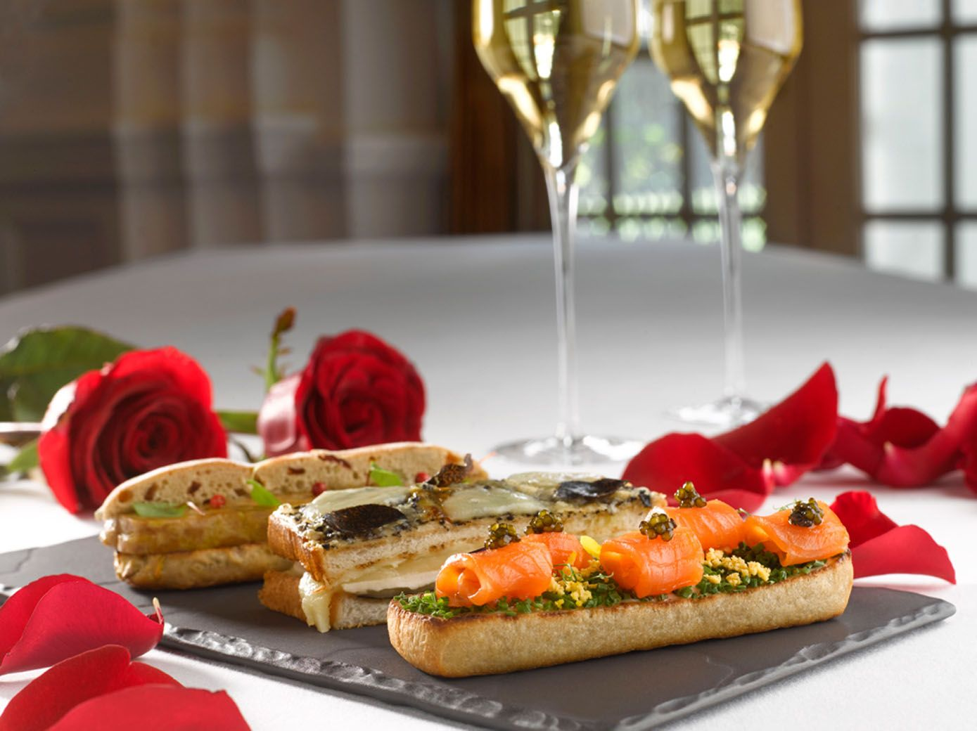 Surprise Your Loved Ones With a Romantic Valentine's Day Dinner at These Restaurants