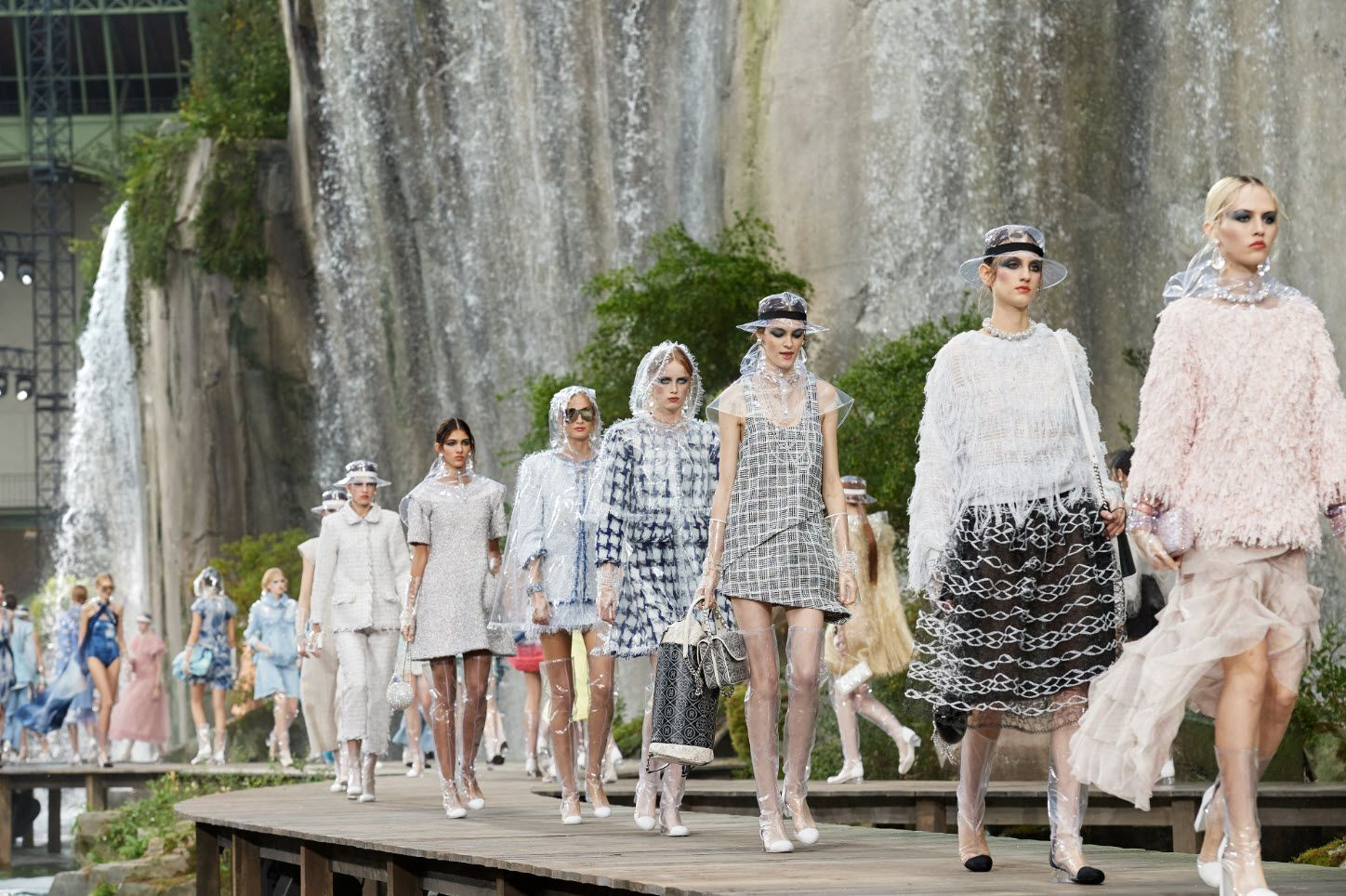 a929e075db2b 10 Standout Trends From The Spring Summer 2018 Runways