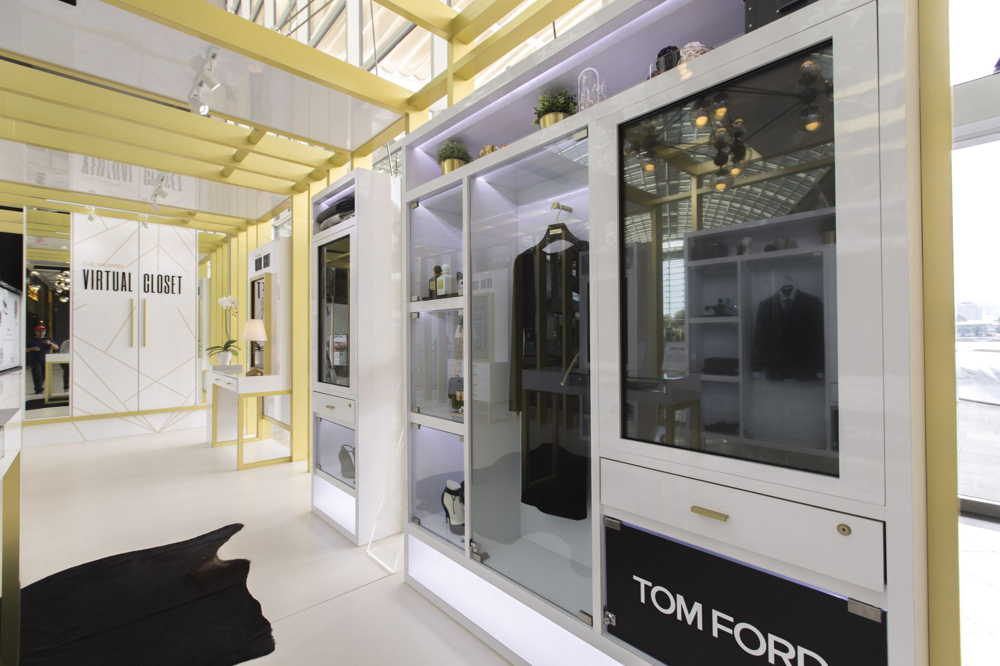 Explore A Virtual Wardrobe At The Shoppes At Marina Bay Sands