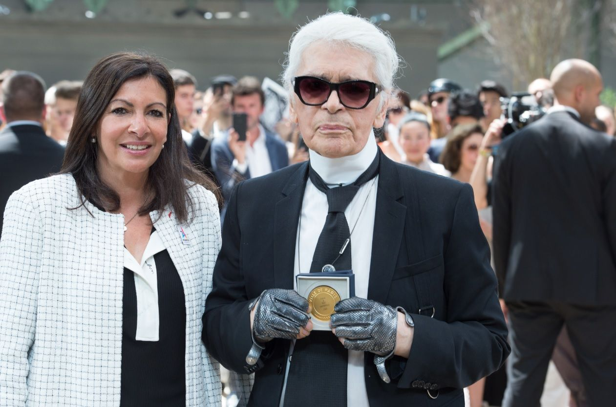Karl Lagerfeld Awarded The Grand Vermeil De La Ville De Paris Medal