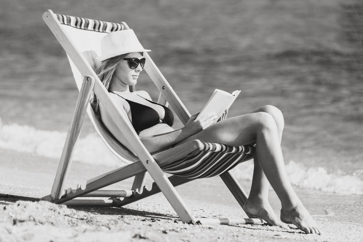 5 New Non-Fiction Summer Reads for a Beach Vacay