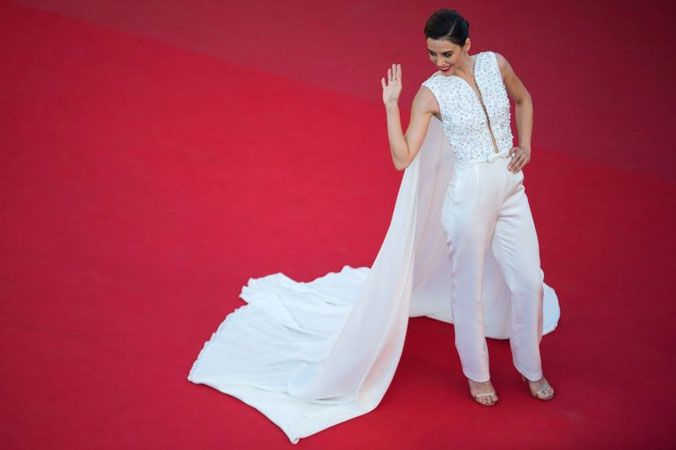 Cannes 2015: slit skirts, capes and crop tops among the red carpet trends