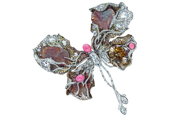 """Sotheby's HK to auction Cindy Chao x Sarah Jessica Parker """"Ballerina Butterfly"""" brooch"""
