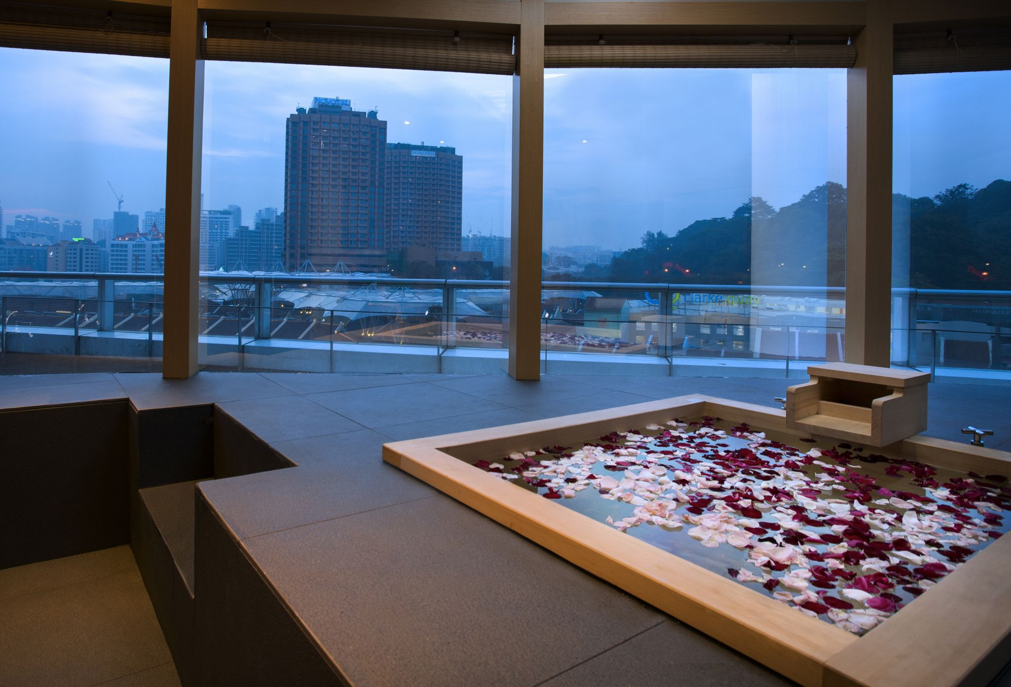 Why A Mid-Day Onsen Dip Is A Good Idea