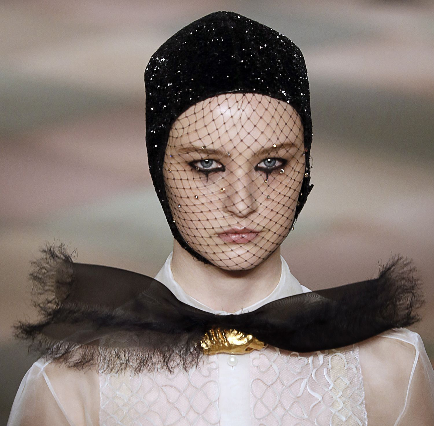 How To: Create The Dior Haute Couture Beauty Look