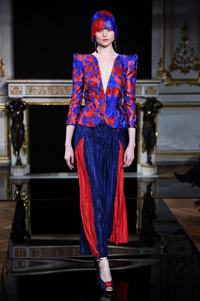 In a return to the 1930s, Giorgio Armani unveiled a perfectly cut and sumptuously chic collection