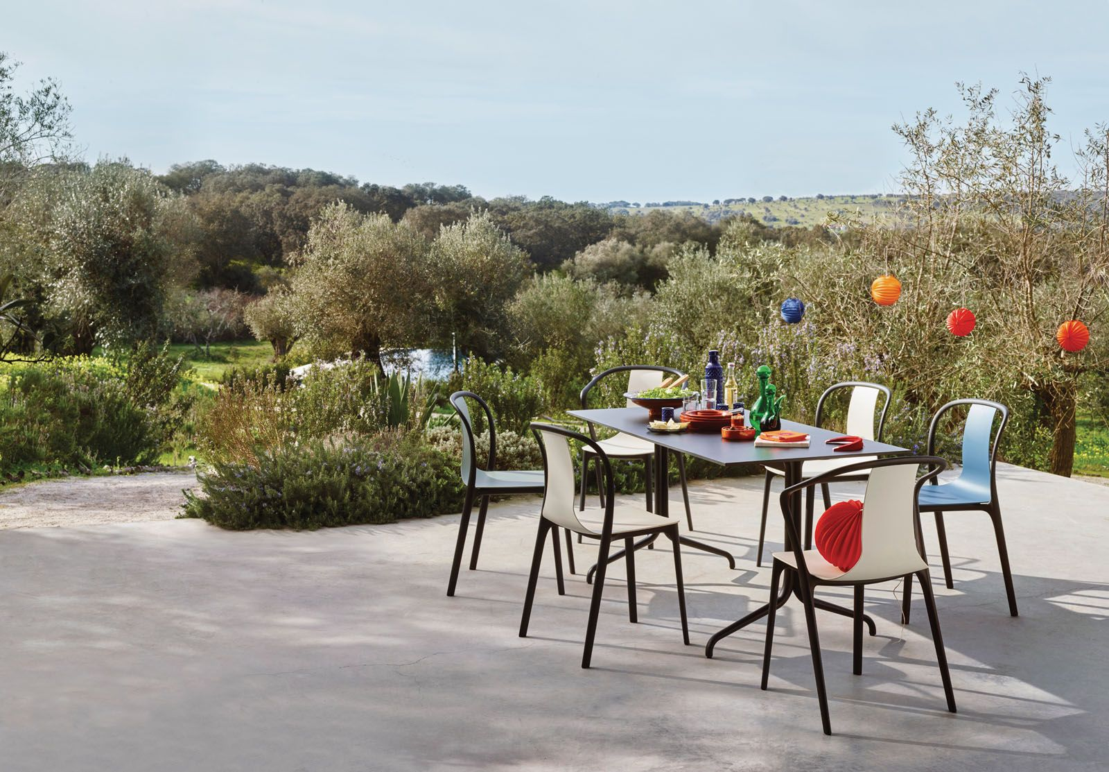 Named after the vibrant Parisian neighbourhood where its designers Ronan and Erwan Bouroullec are based, the Belleville dining range from Vitra is the epitome of chic utilitarianism. Modelled after classic bistro furniture, the table has cast aluminium legs with a powder-coated finish, while the chair's plastic structural frame and seat add to its fuss-free aesthetic.