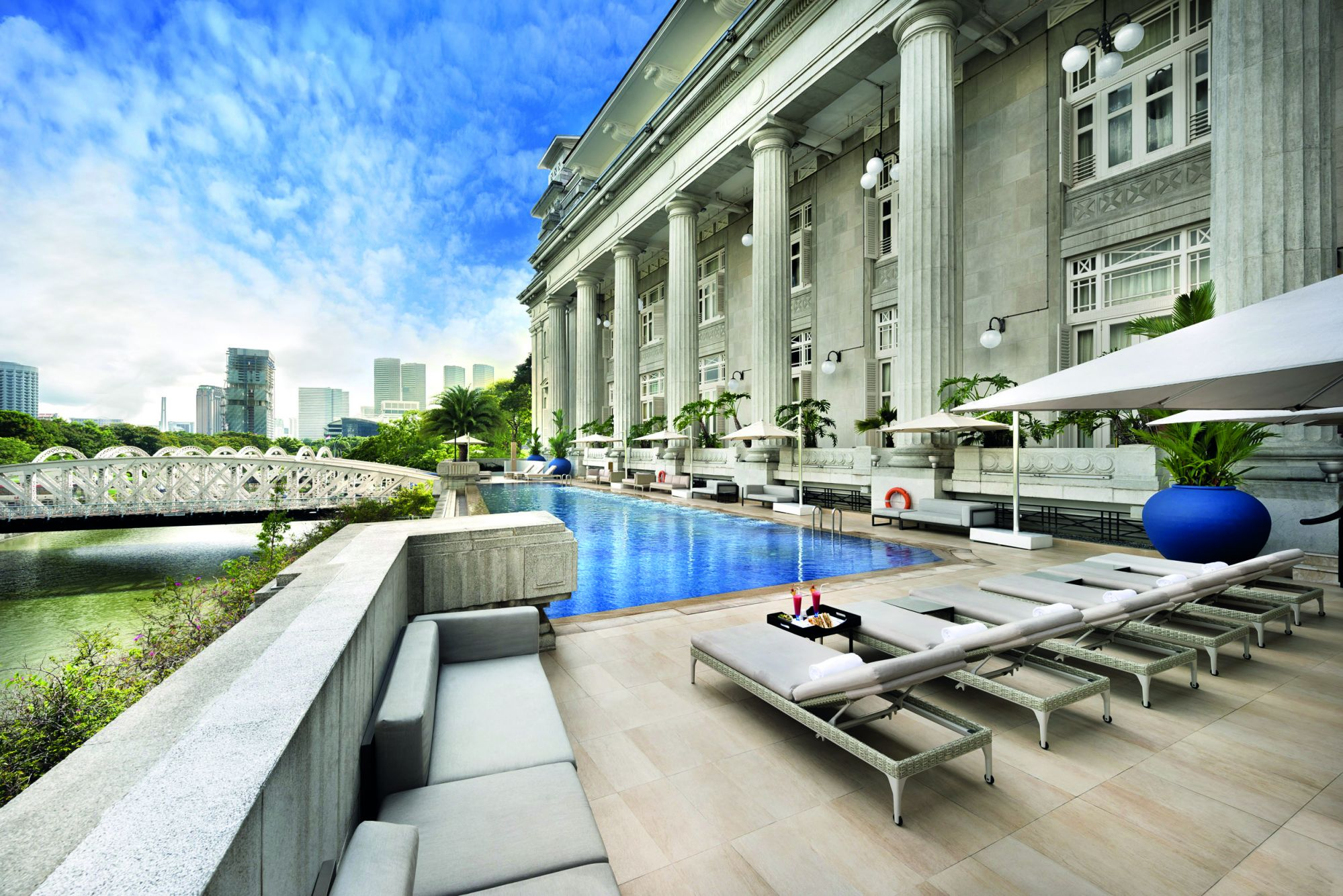 The Fullerton Hotel Singapore Sets The Scene For A Dream Wedding