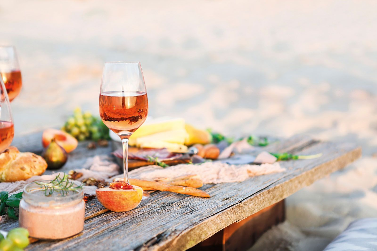10 Best Wines To Have This Summer