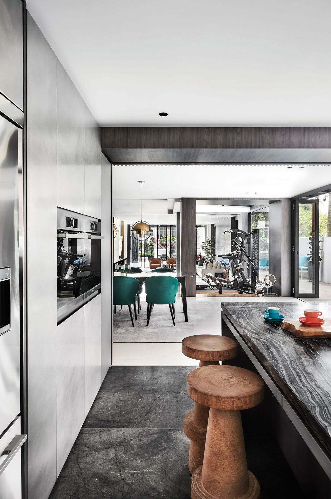Home Tour: A Super-Chic Monochromatic House Made For Entertaining