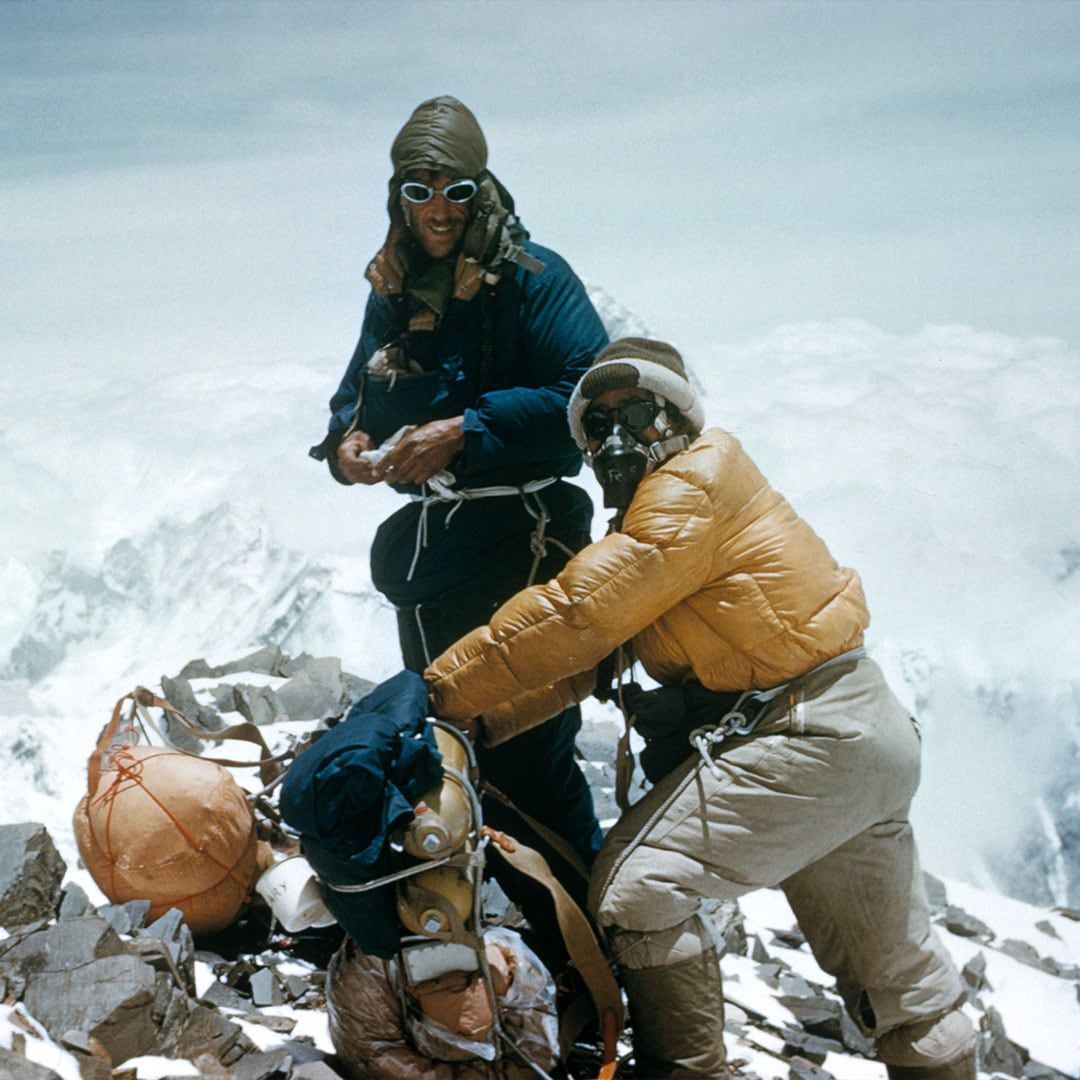 Edmund Hillary and Tenzing Norgay become the first people to reach the summit of Mount Everest in 1953. The same year, to mark this historic exploit, Rolex officially launched the Explorer timepiece