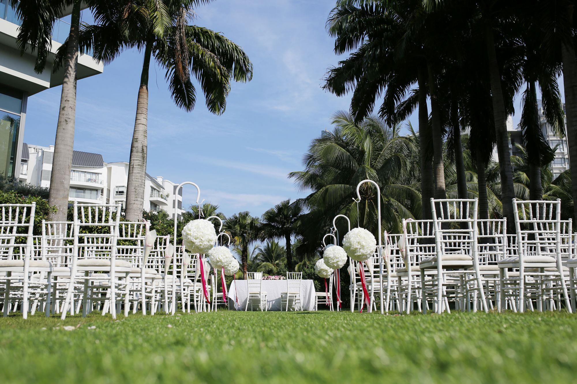 W Lawn (Image: W Singapore - Sentosa Cove)