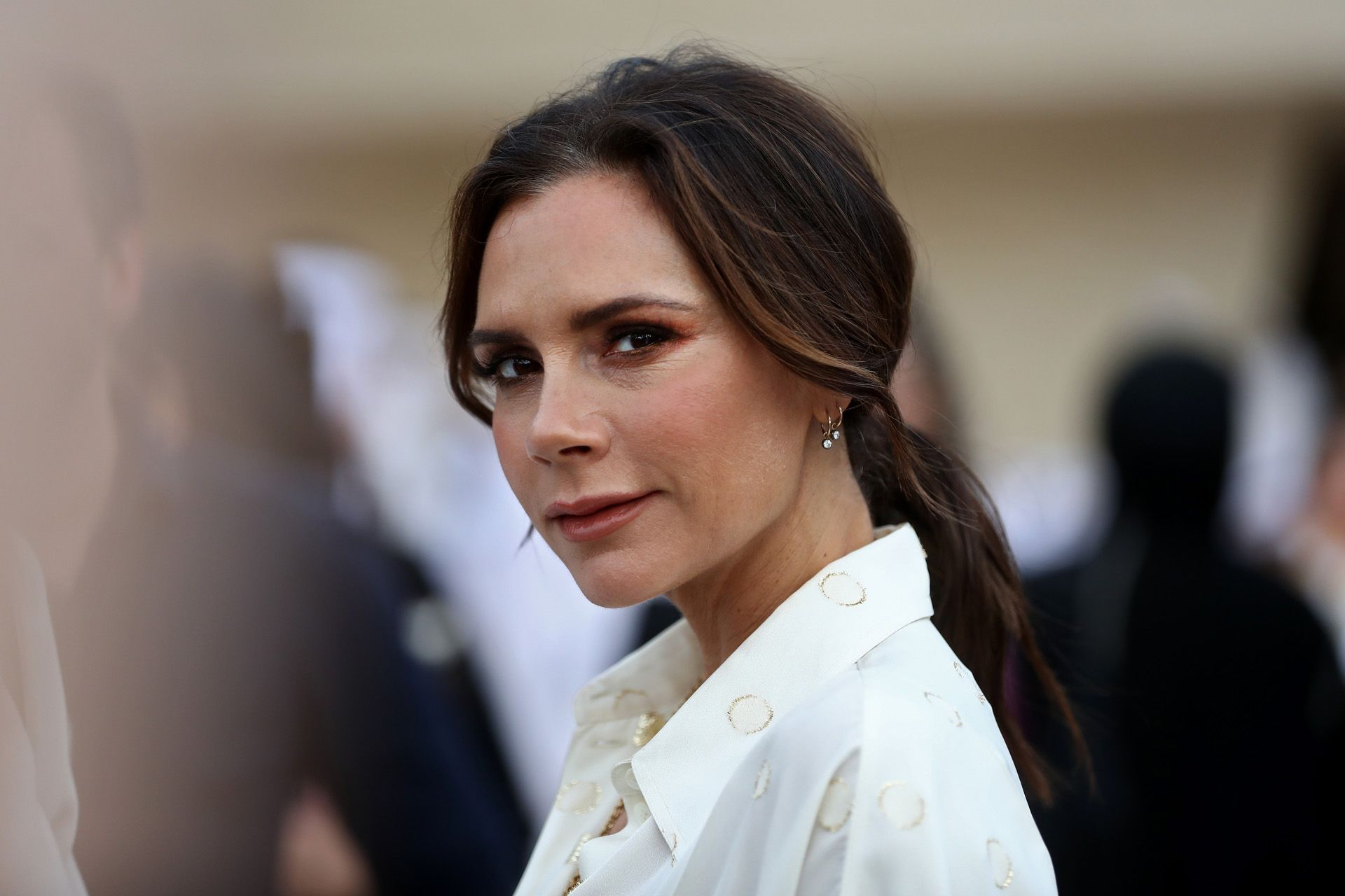 British singer and fashion designer Victoria Beckham attends the official opening ceremony for the National Museum of Qatar, in the capital Doha on March 27, 2019. - The complex architectural form of a desert rose, found in Qatarís arid desert regions, inspired the striking design of the new museum building, conceived by celebrity French architect Jean Nouvel. (Photo by KARIM JAAFAR / AFP)
