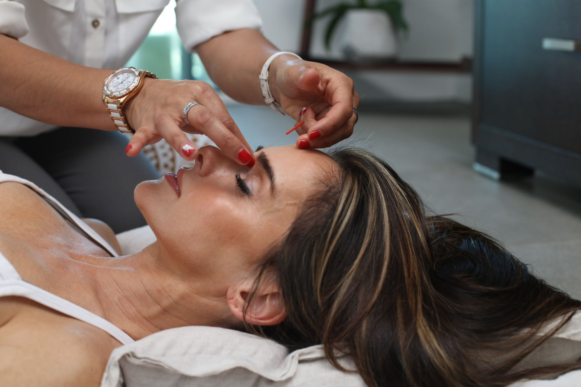 Should You Quit Botox Injections? Here Are Some Non-Invasive Alternatives To The Beauty Treatment