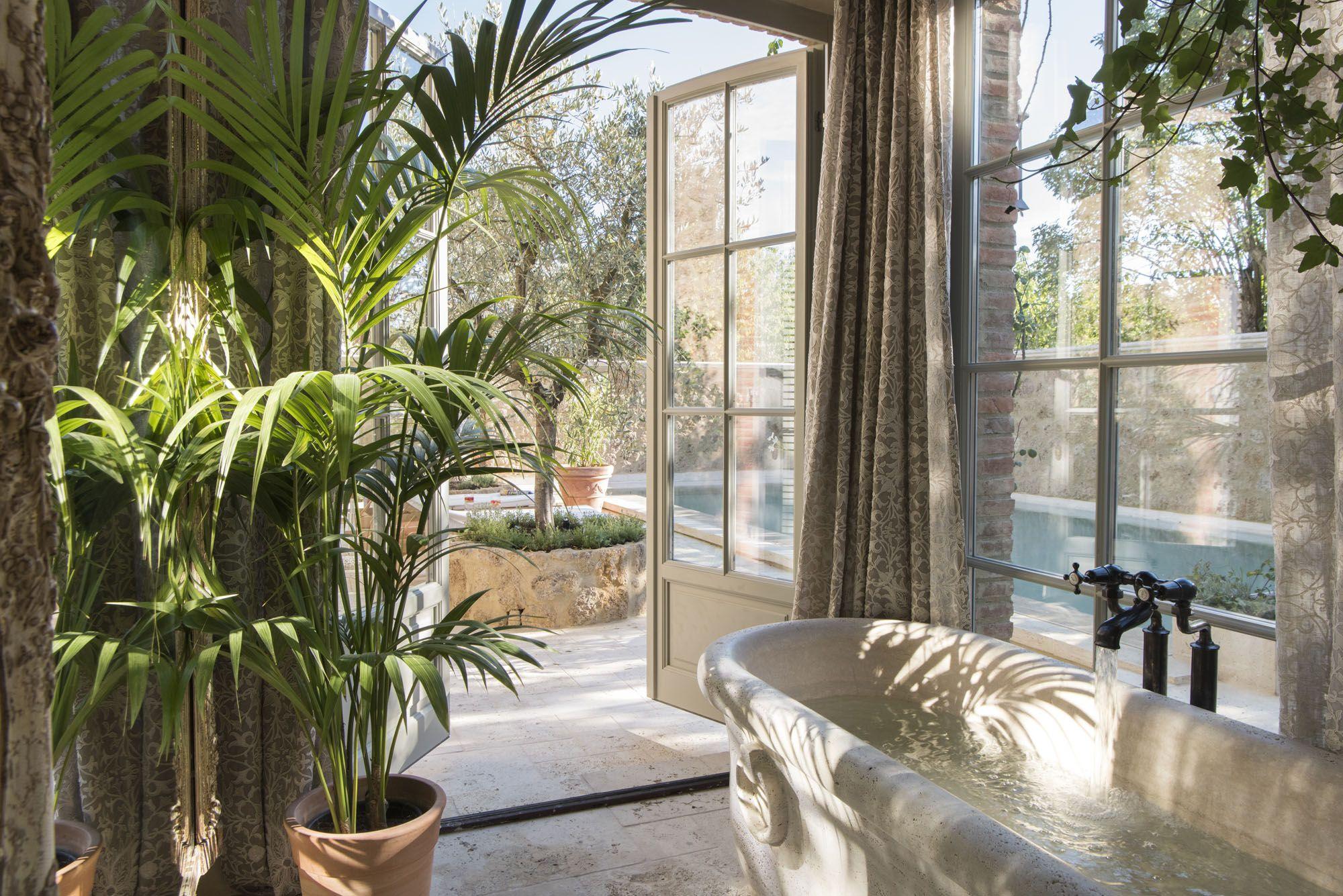 Từ các dãy phòng đến spa, tất cả mọi thứ được thiết kế để giúp khách có nhịp sống chậm hơn và đón nhận một viễn cảnh bình tĩnh hơn
