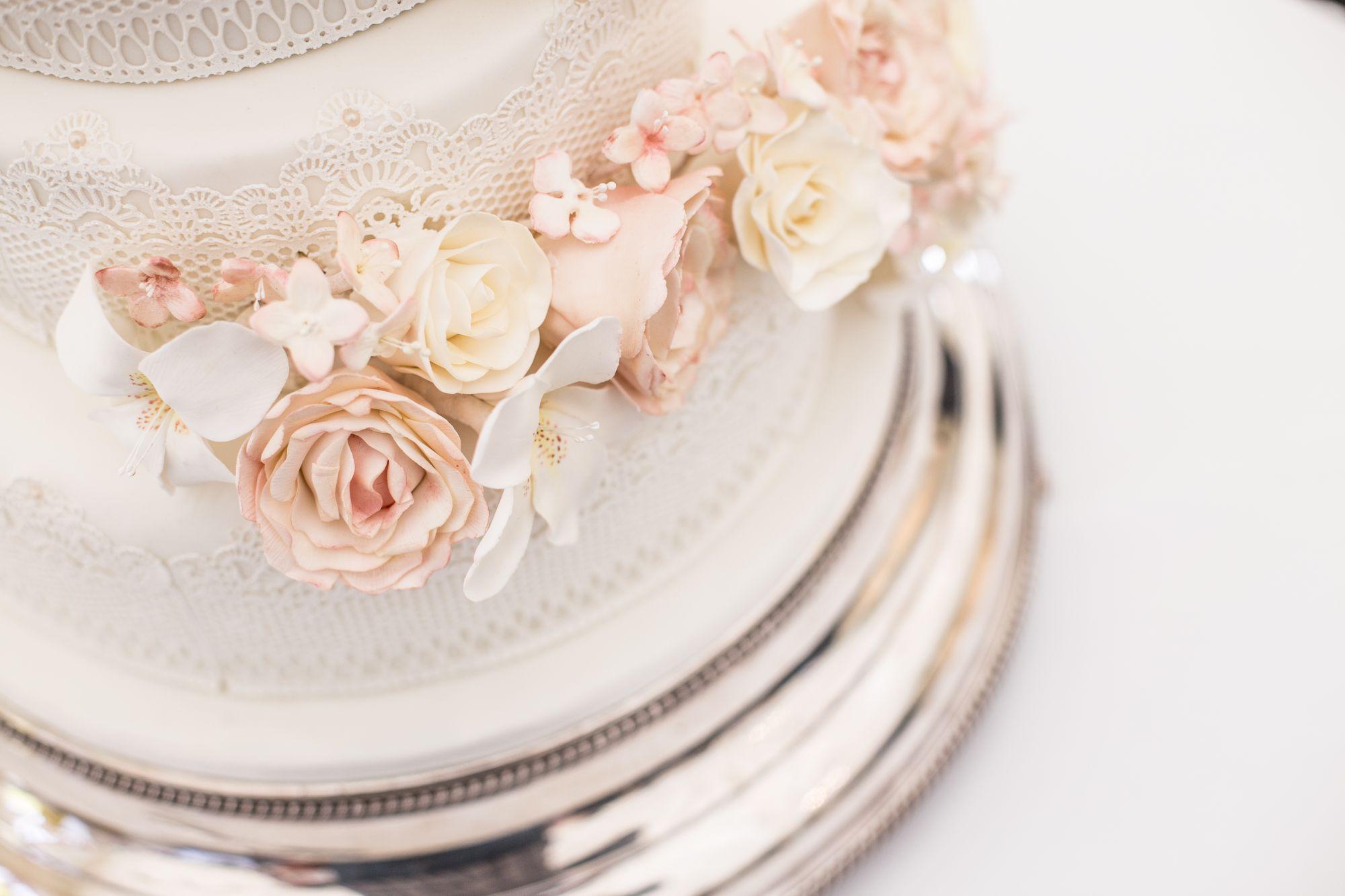 The Best Bespoke Wedding Cake Designers In Singapore