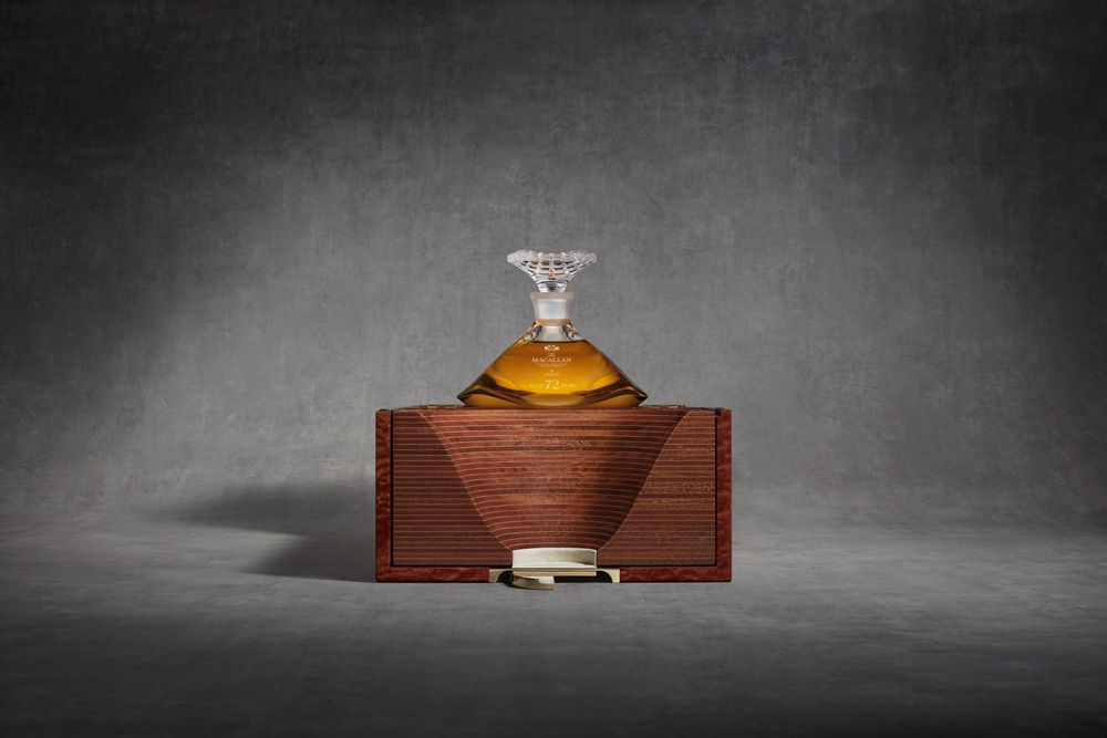 PHOTOGRAPHY USAGE LICENCE: MACALLAN/LALIQUE PROJECT KINGPHOTOGRAPHER: John ShortART DIRECTION: Burgess StudioSHOOT DATE: 20 September 2018LICENCE TERMS: Below the line POS and marketing inlcuded. Above the line POS and printadvertising excludedLICENC