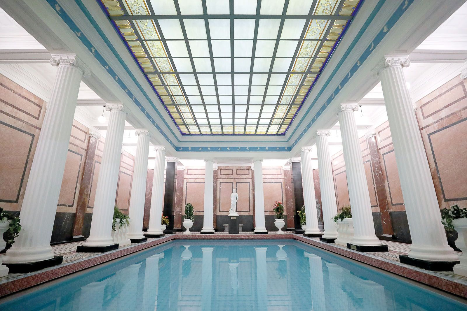 The majestic Sanduný Bath House in Moscow