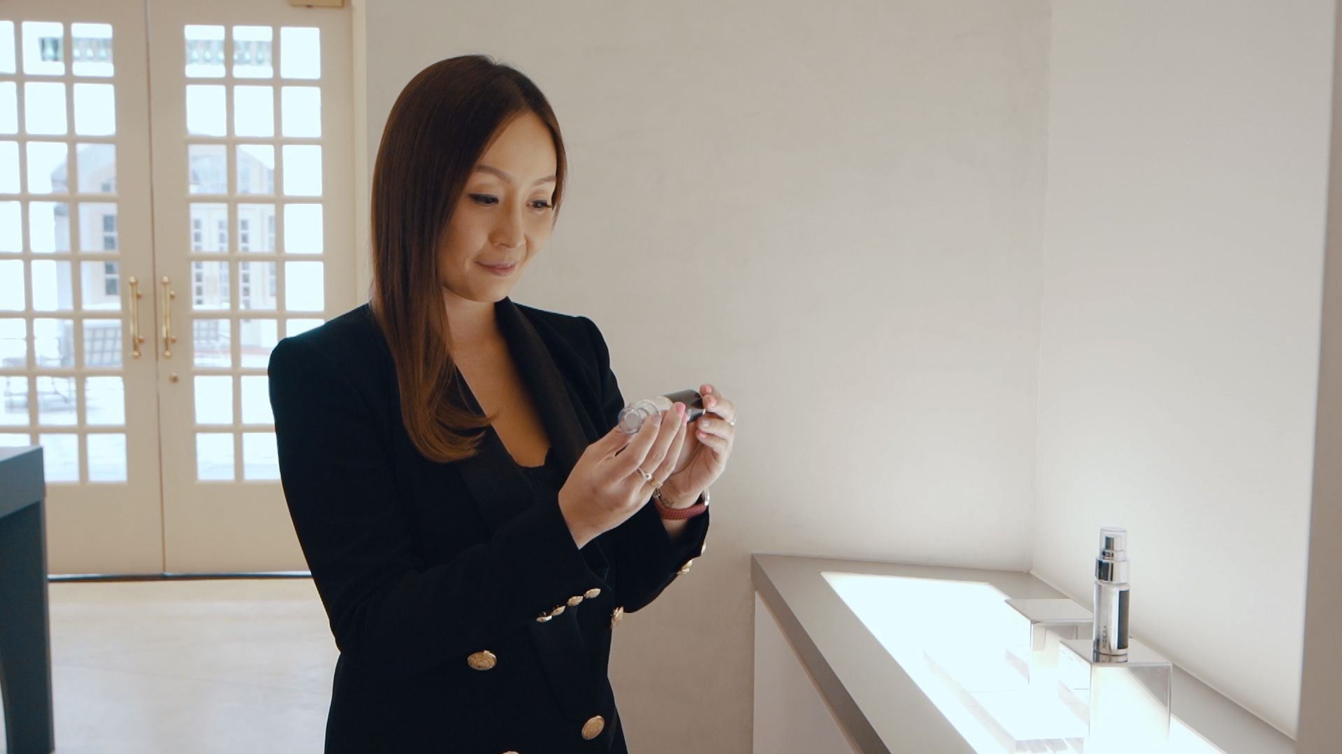 Serene Chua Tries Out Noesa, One Of The Most Expensive Skincare Brands In The World