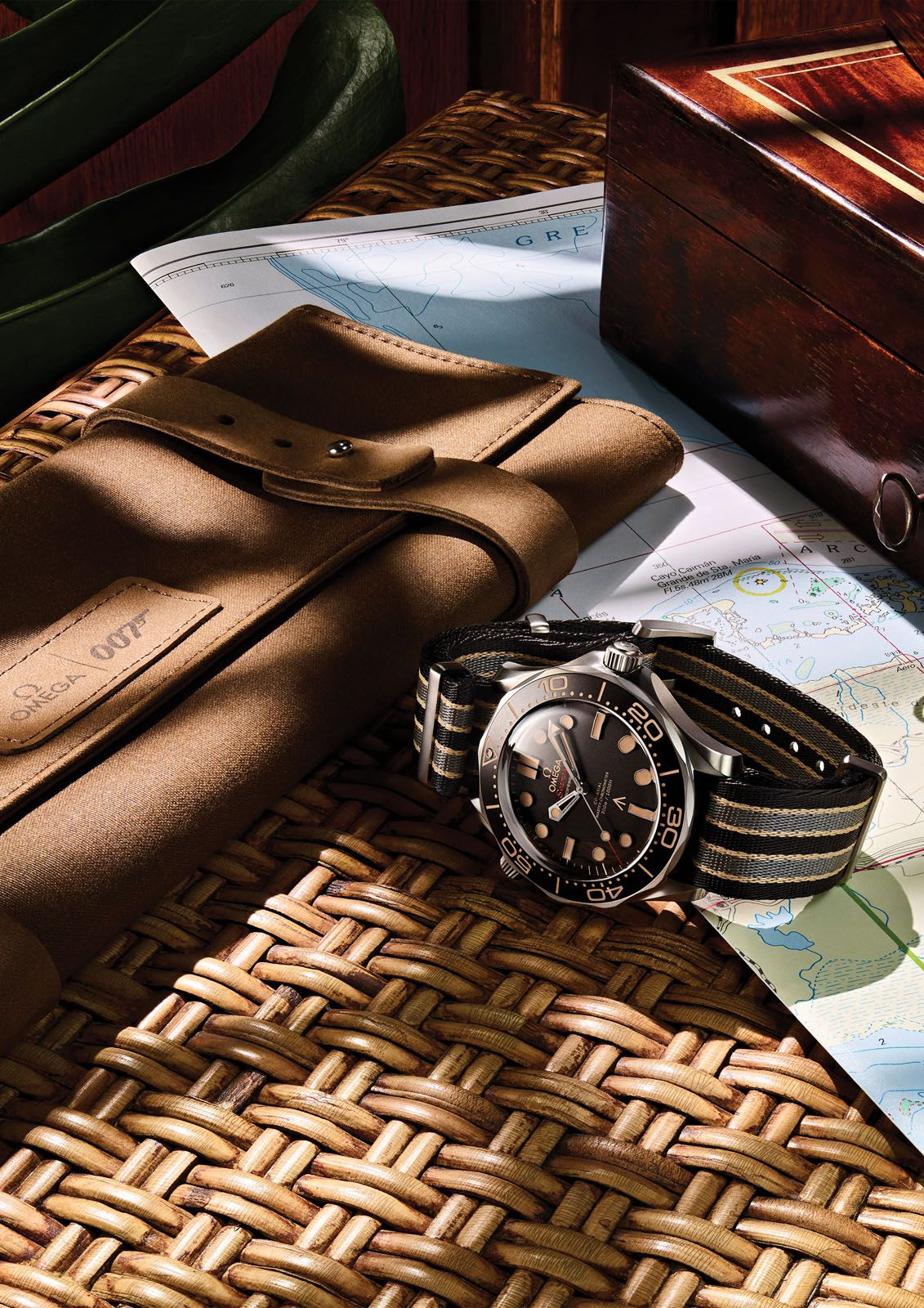 The Seamaster Diver 300M 007 Edition comes with either a striped Nato strap or a titanium mesh bracelet