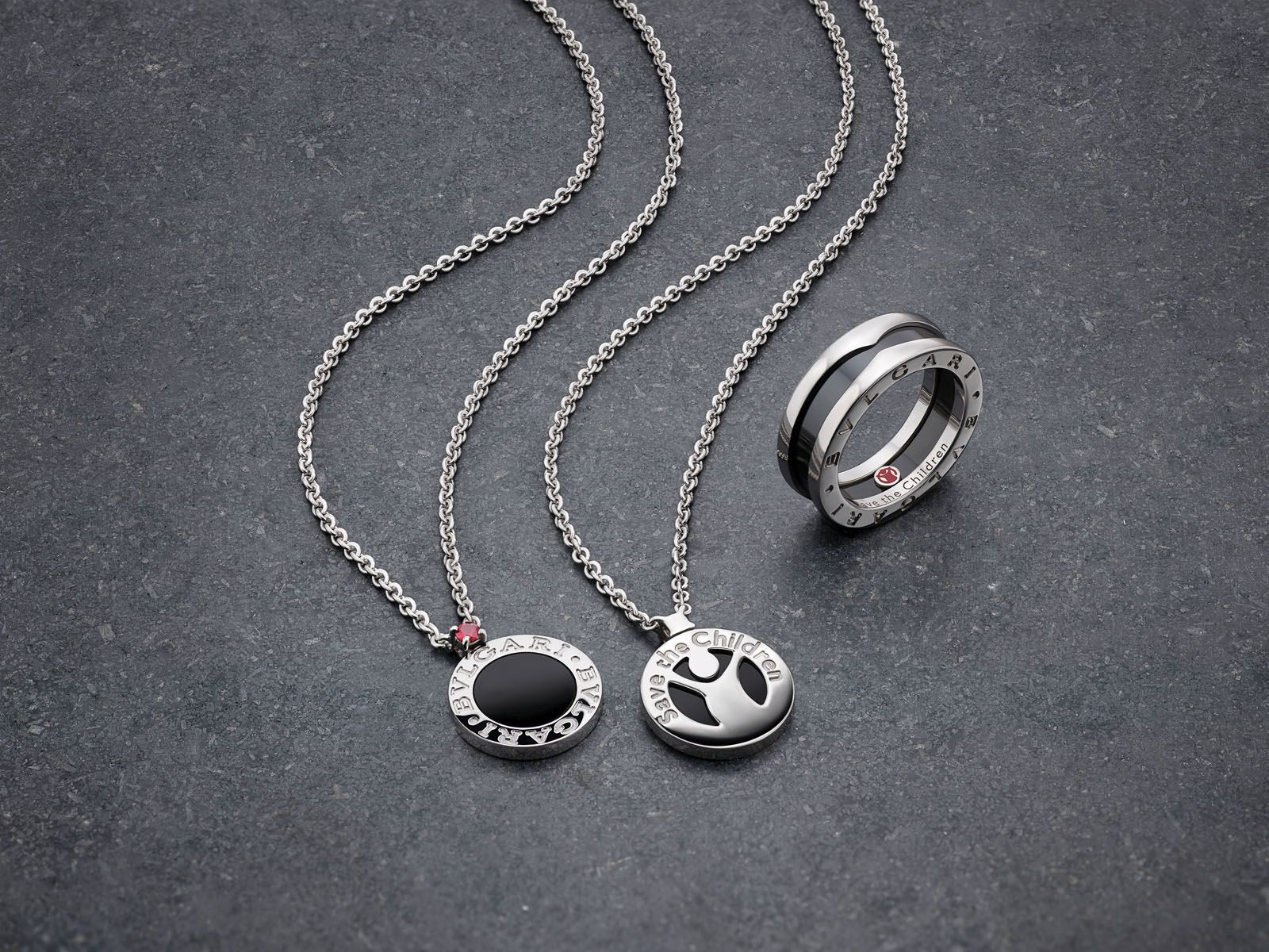 Besides the necklace, the charity collection also includes a B.zero1 ring, bracelet and pendant