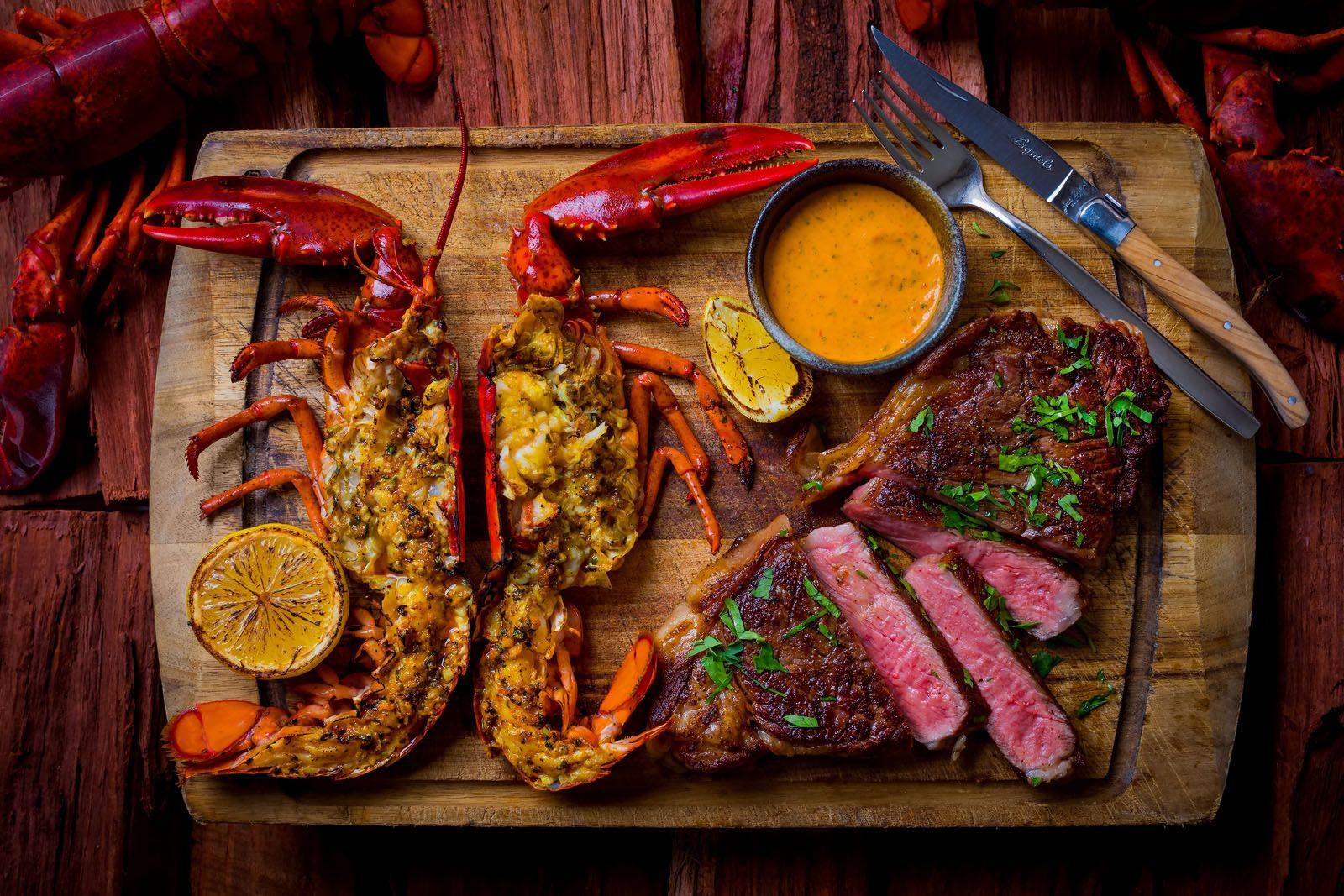 500g Westholme Wagyu & whole live Boston lobster