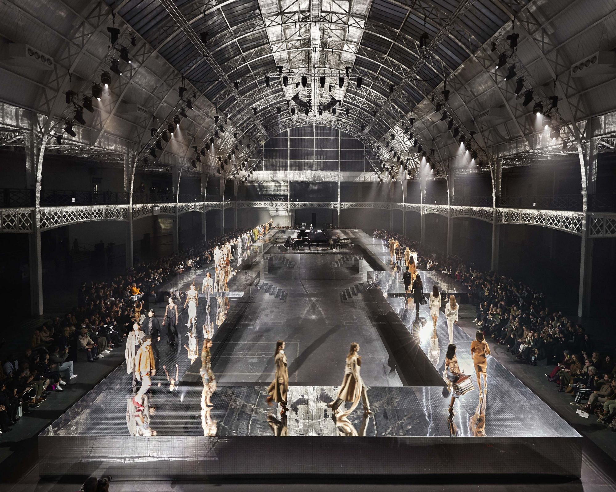 Burberry's Autumn/Winter 2020 Runway Show Was Certified Carbon Neutral