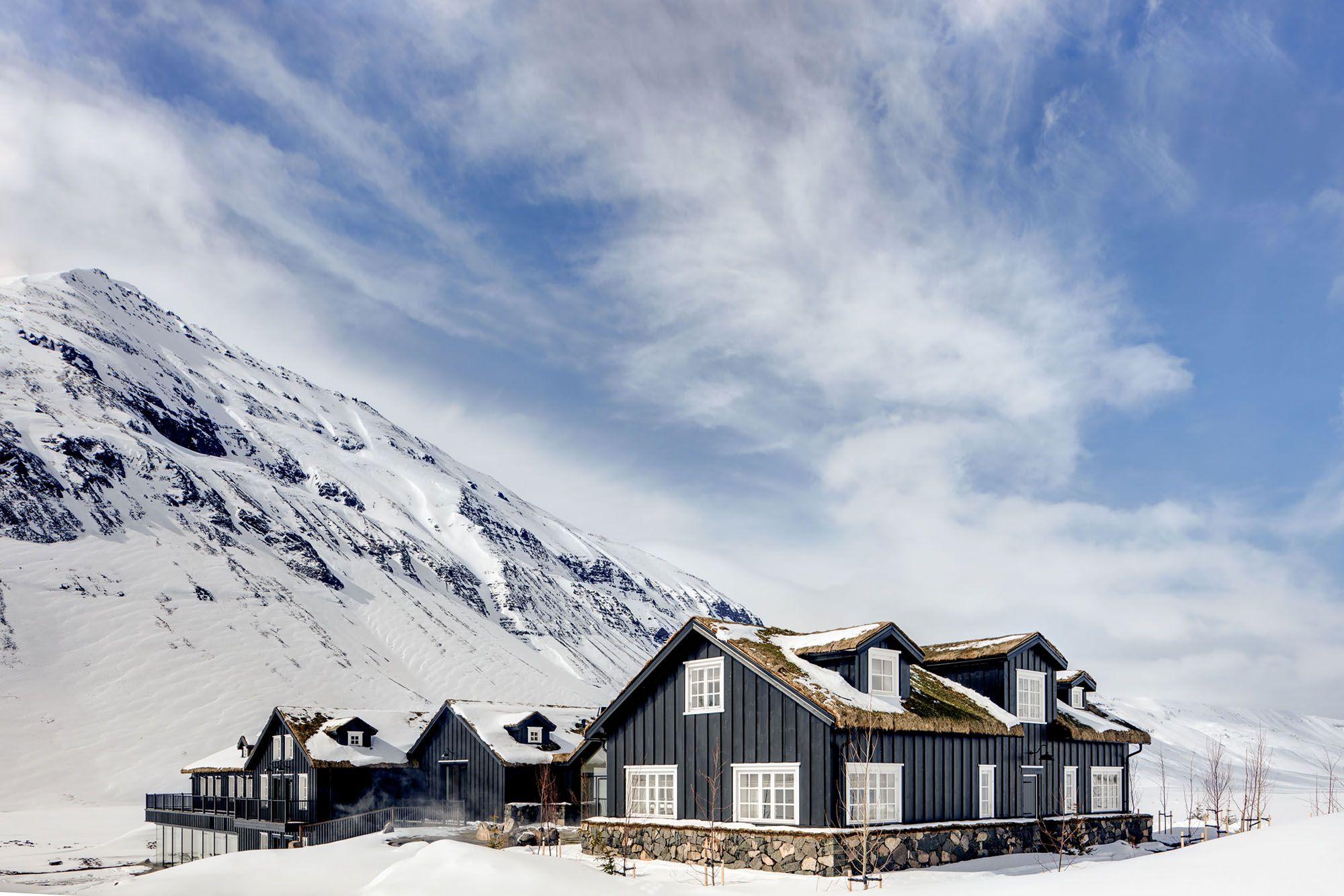 在野外冰上垂釣,然後回到舒適的冰島Deplar農莊暖暖身(圖片來源:Mr&Mrs Smith)