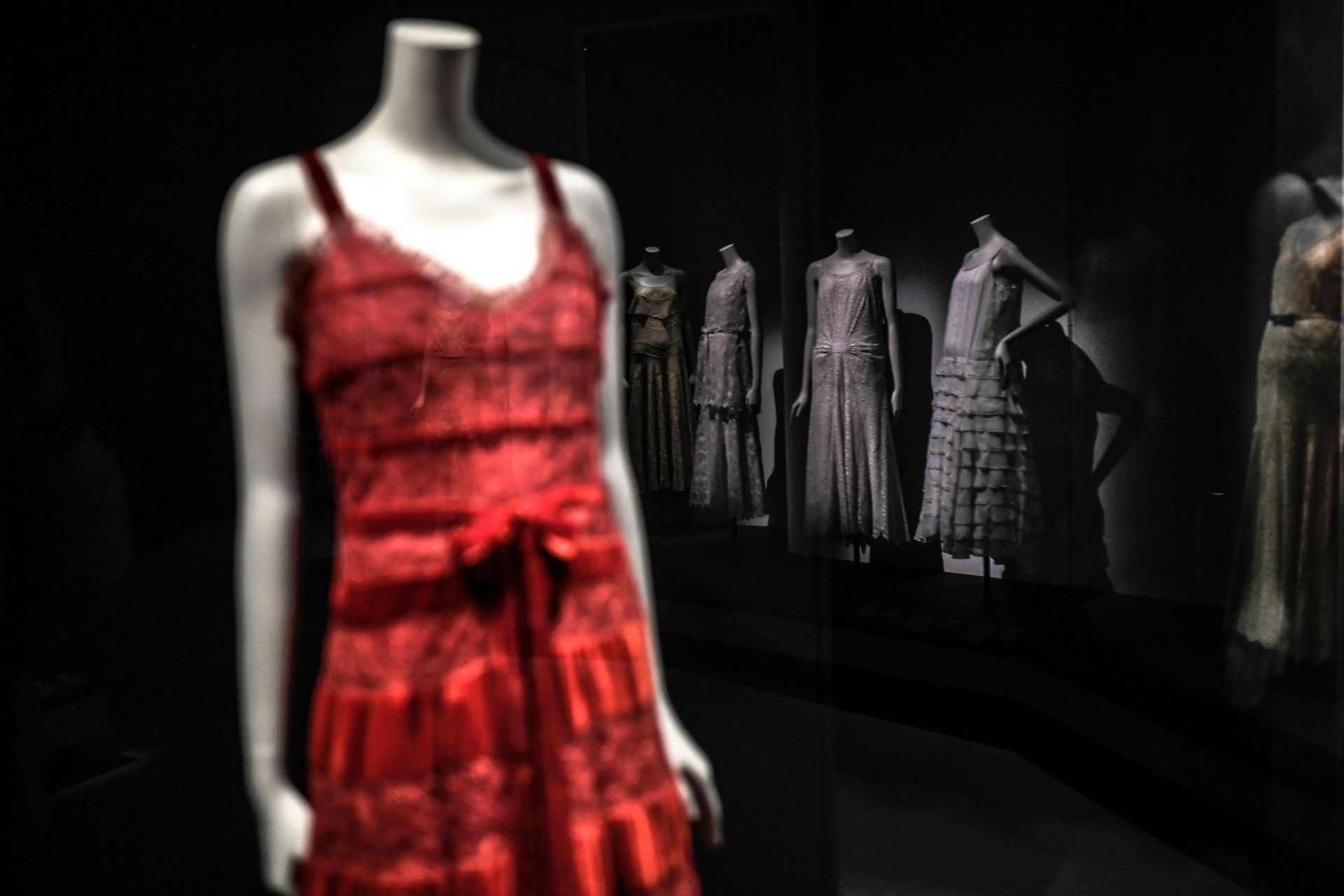 "This picture shows creations by French designer Gabrielle Chanel displayed during the exhibition ""Gabrielle Chanel, fashion manifesto"" at the Galliera Palais fashion museum in Paris on September 25, 2020. - The exhibition runs from October 1, 2020 to March 14, 2021. (Photo by STEPHANE DE SAKUTIN / AFP)"