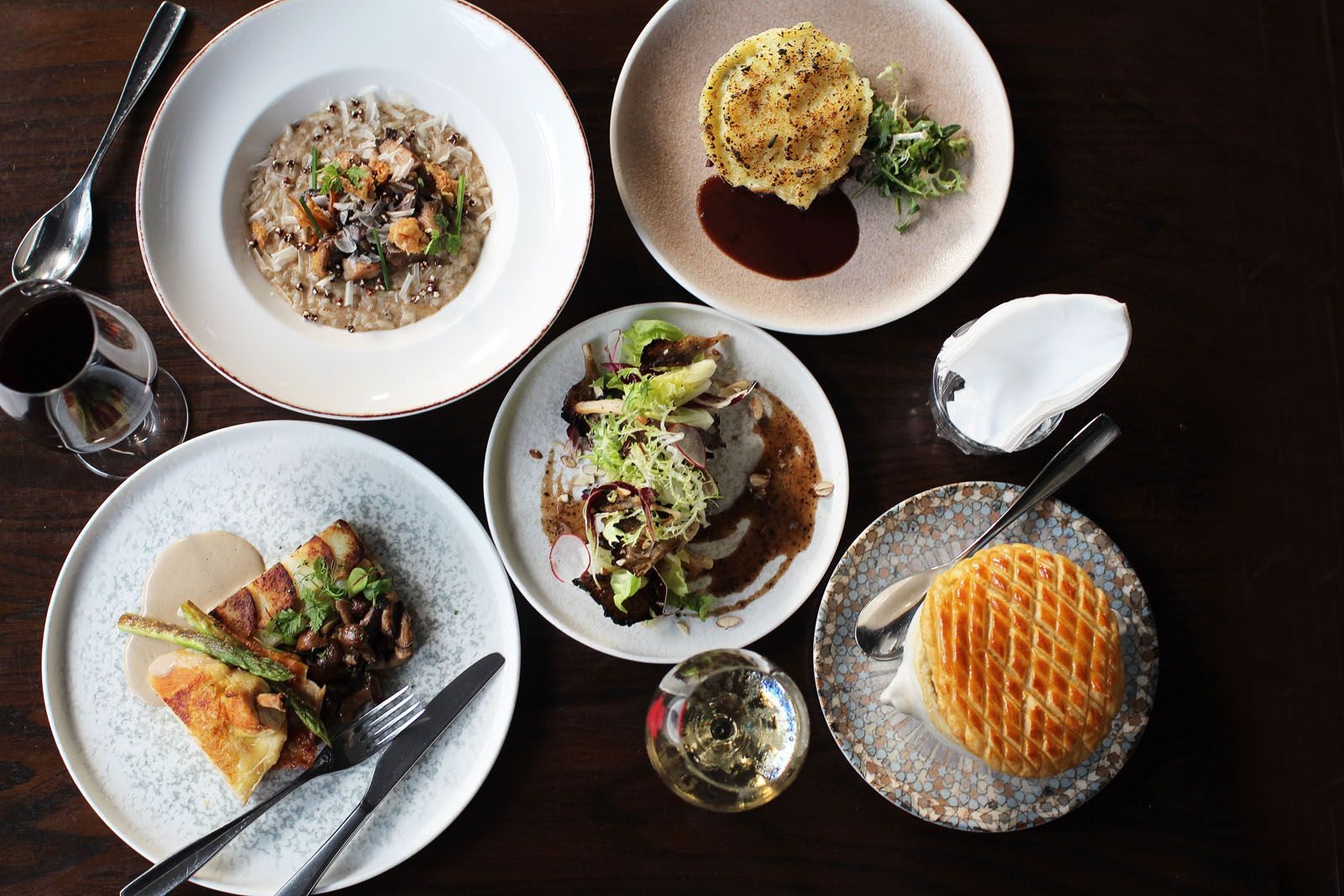 Where to Eat in Singapore This Week: Long Beach Seafood Restaurant, 28 HongKong Street, Ginza Shinto, Town Restaurant, Ginett
