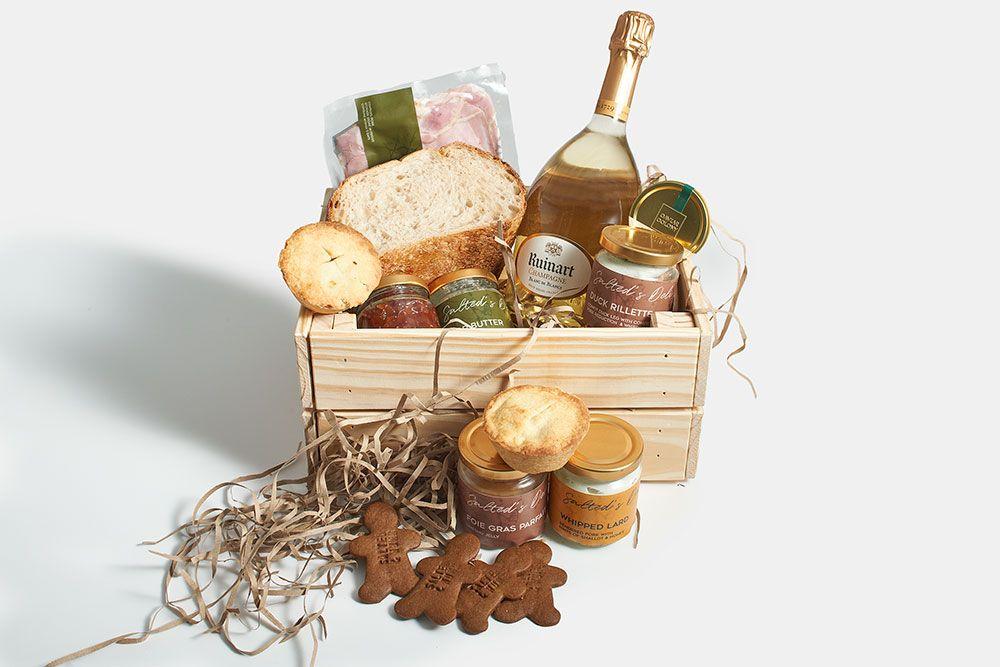 Christmas picnic hamper