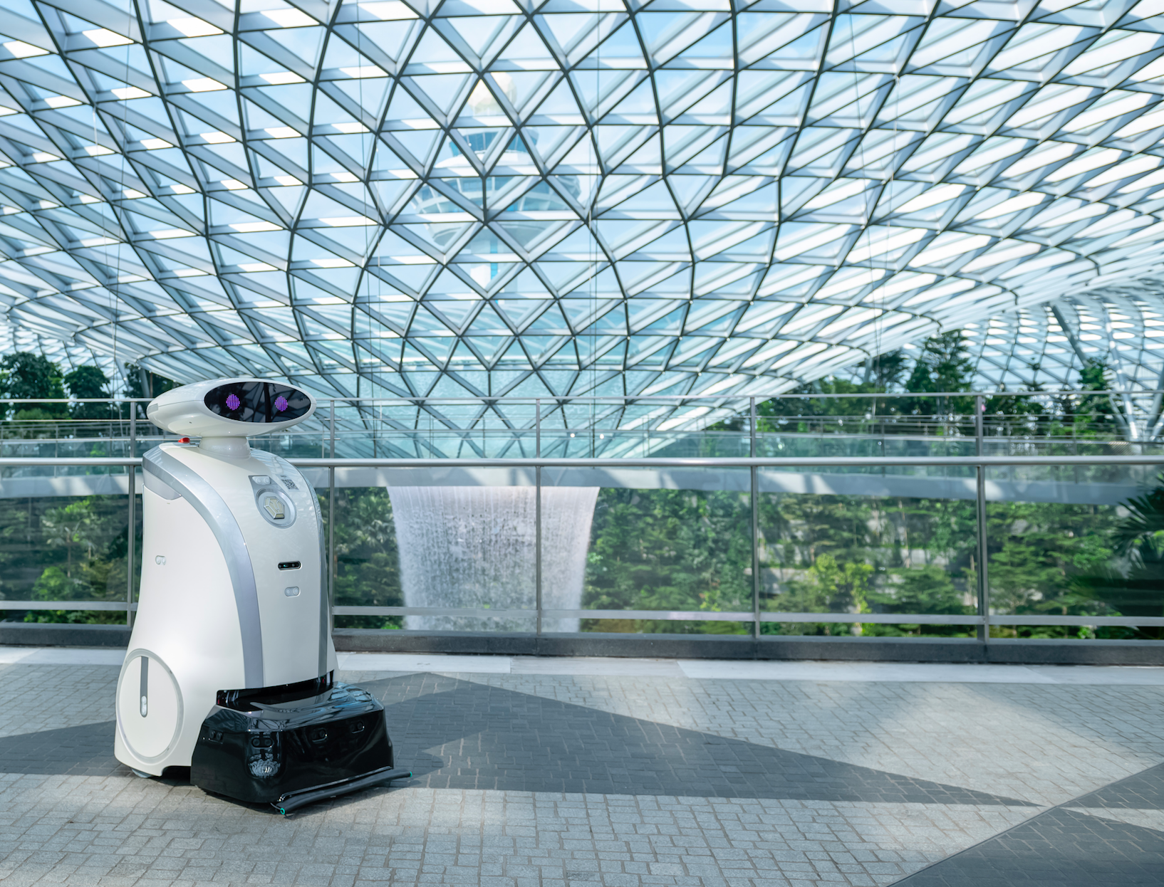Robots in Singapore: 4 Innovations that Operate Around the Island