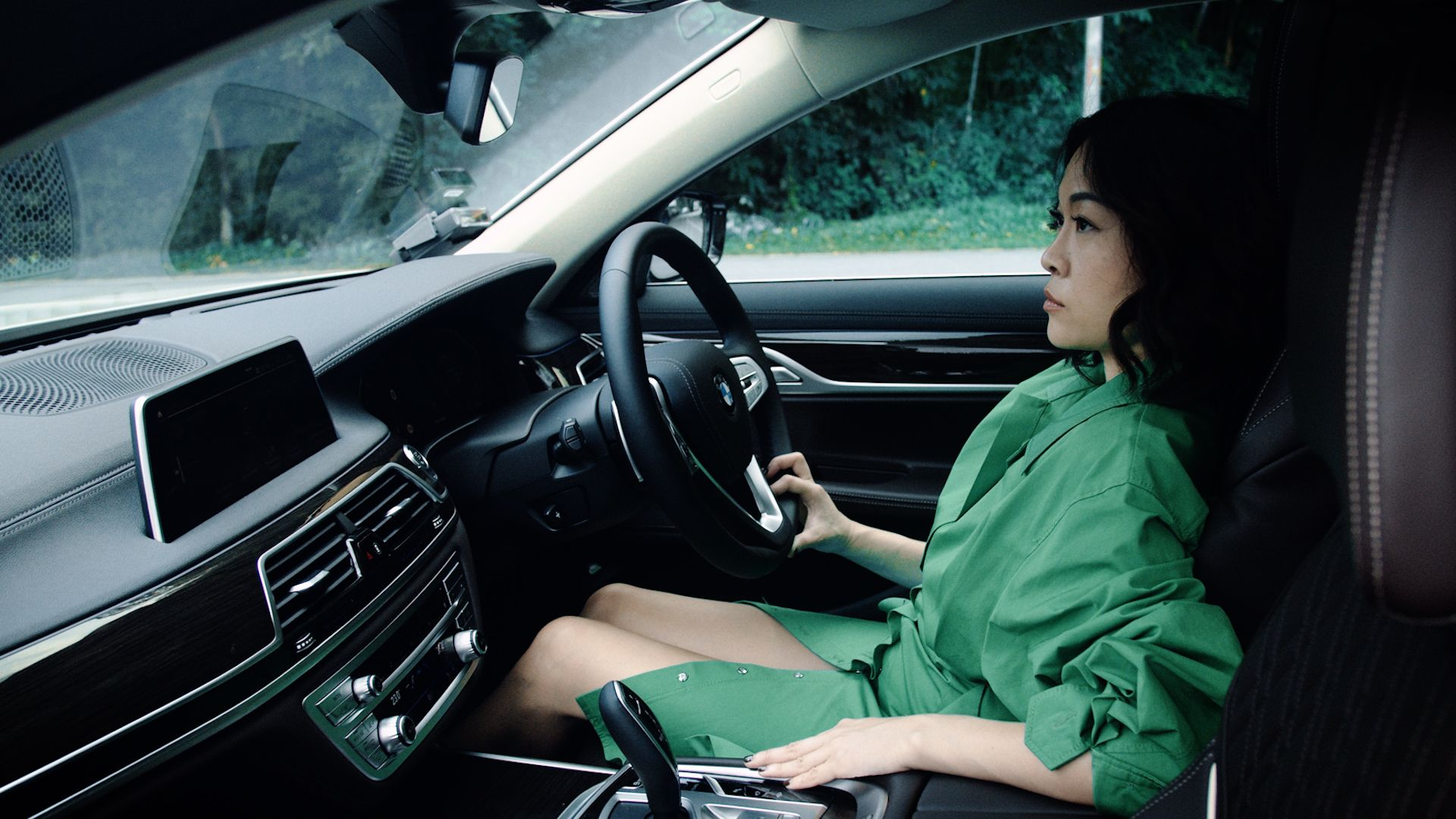 Sonia Ong Connects With the BMW 7 Series' Strength of Character