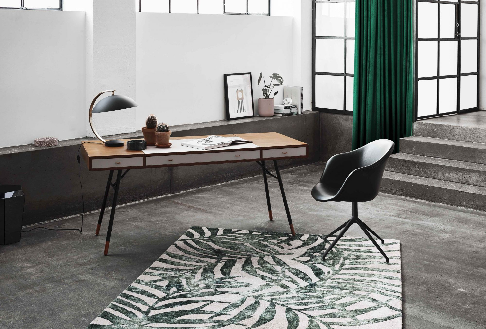 Nordic Chic: 7 Scandinavian-Style Desks for Your Home Office