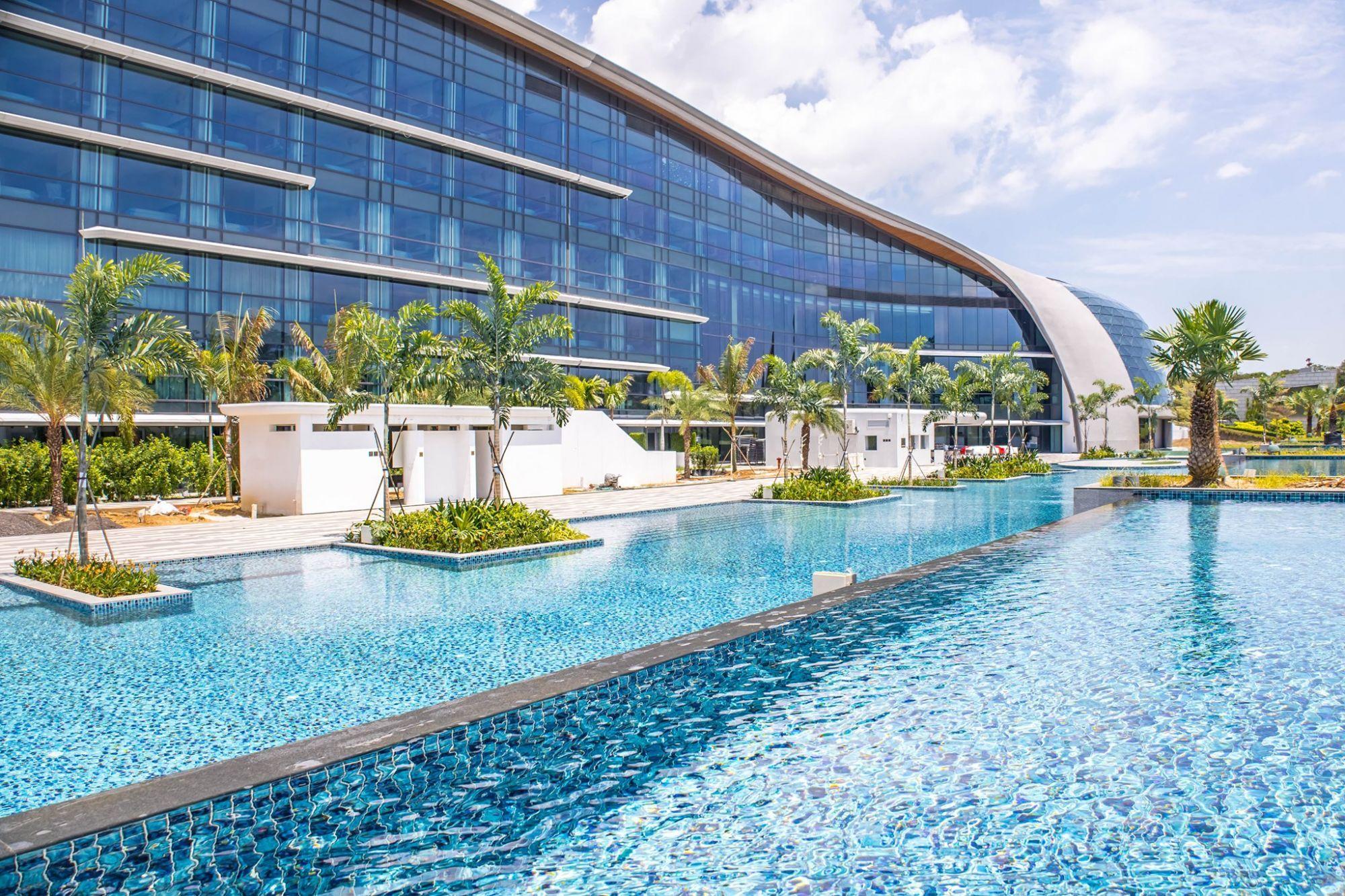 Swimming area (Image: Dusit Thani Laguna Singapore)
