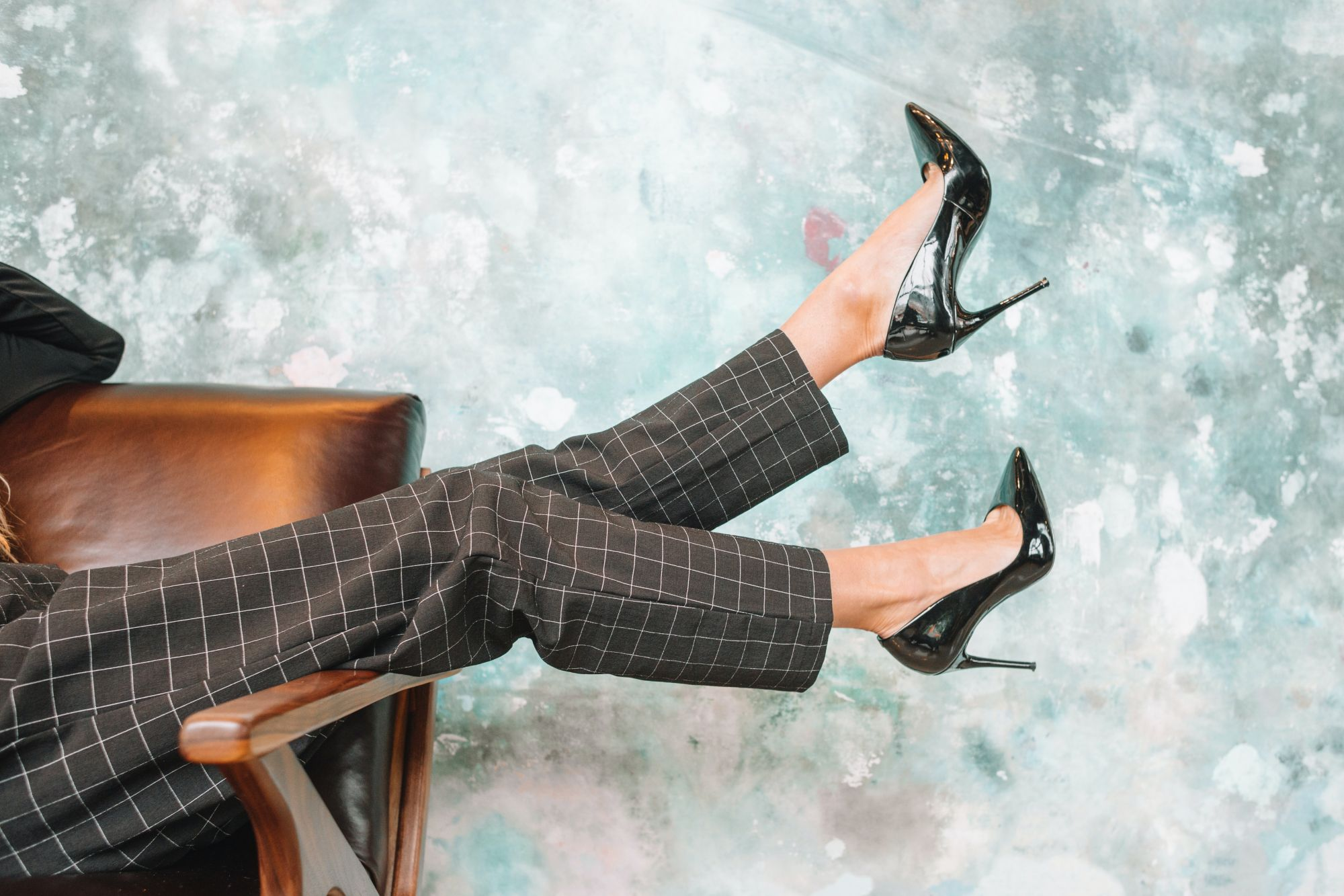 Love High Heels? Early Minimally-Invasive Keyhole Surgery May Be the Solution to Foot Problem