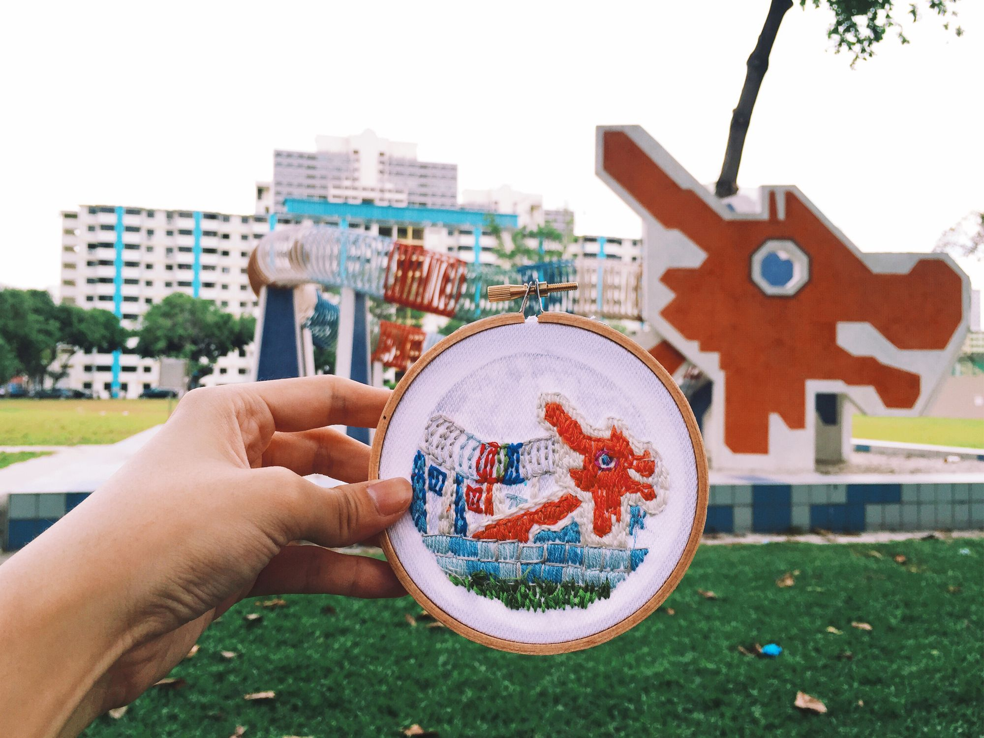 A snapshot of the iconic playground at Toa Payoh, part of Local embroidery artisan Teresa Lim's Sew Wanderlust series (Image: Teeteeheehee)