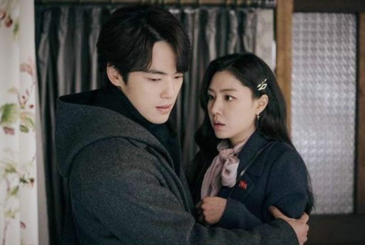 Kim Jung Hyun and Seo Ji Hye Of 'Crash Landing On You' May Be Dating