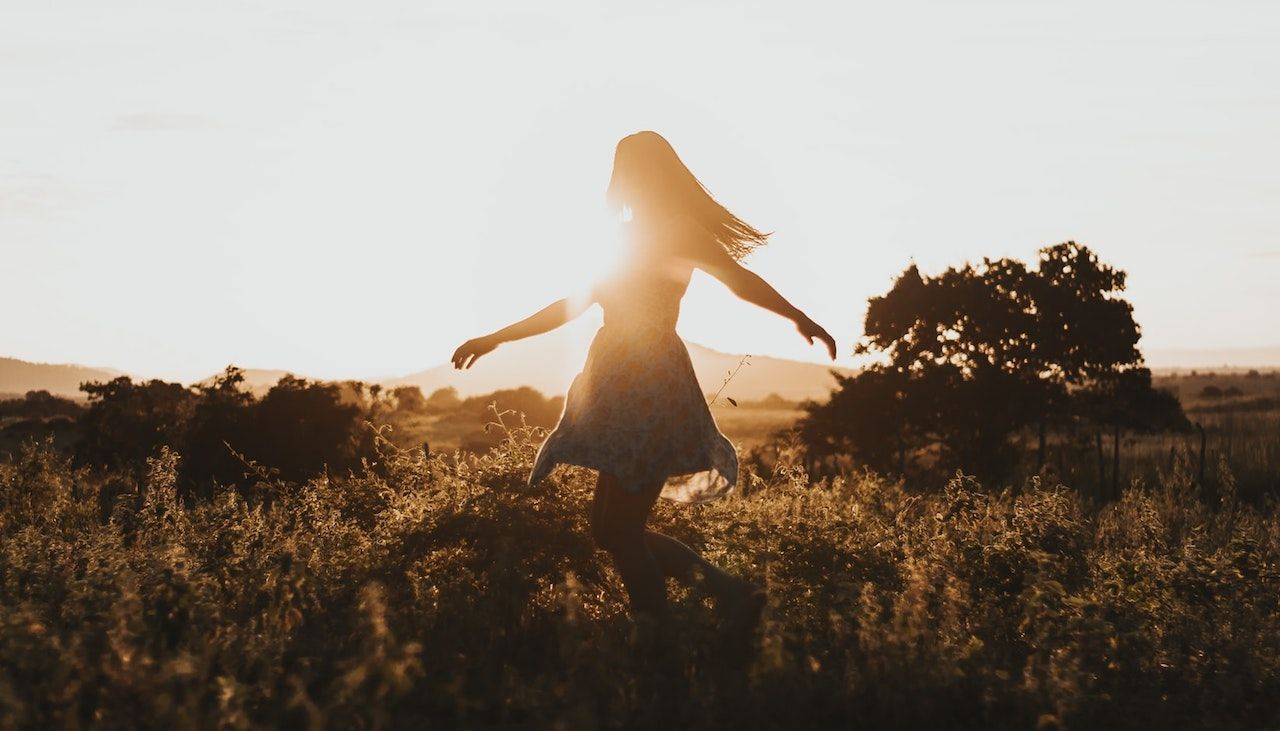 How to Be Happy: 5 Ways to Find Hope in Times of Distress