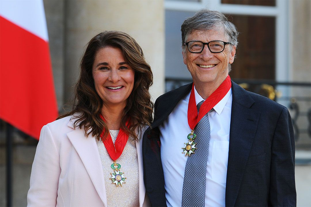 Bill and Melinda Gates pose in front of the Elysee Palace after receiving the award of Commander of the Legion of Honor by French President Francois Hollande on April 21, 2017 in Paris, France. Photo: Frederic Stevens/Getty Images