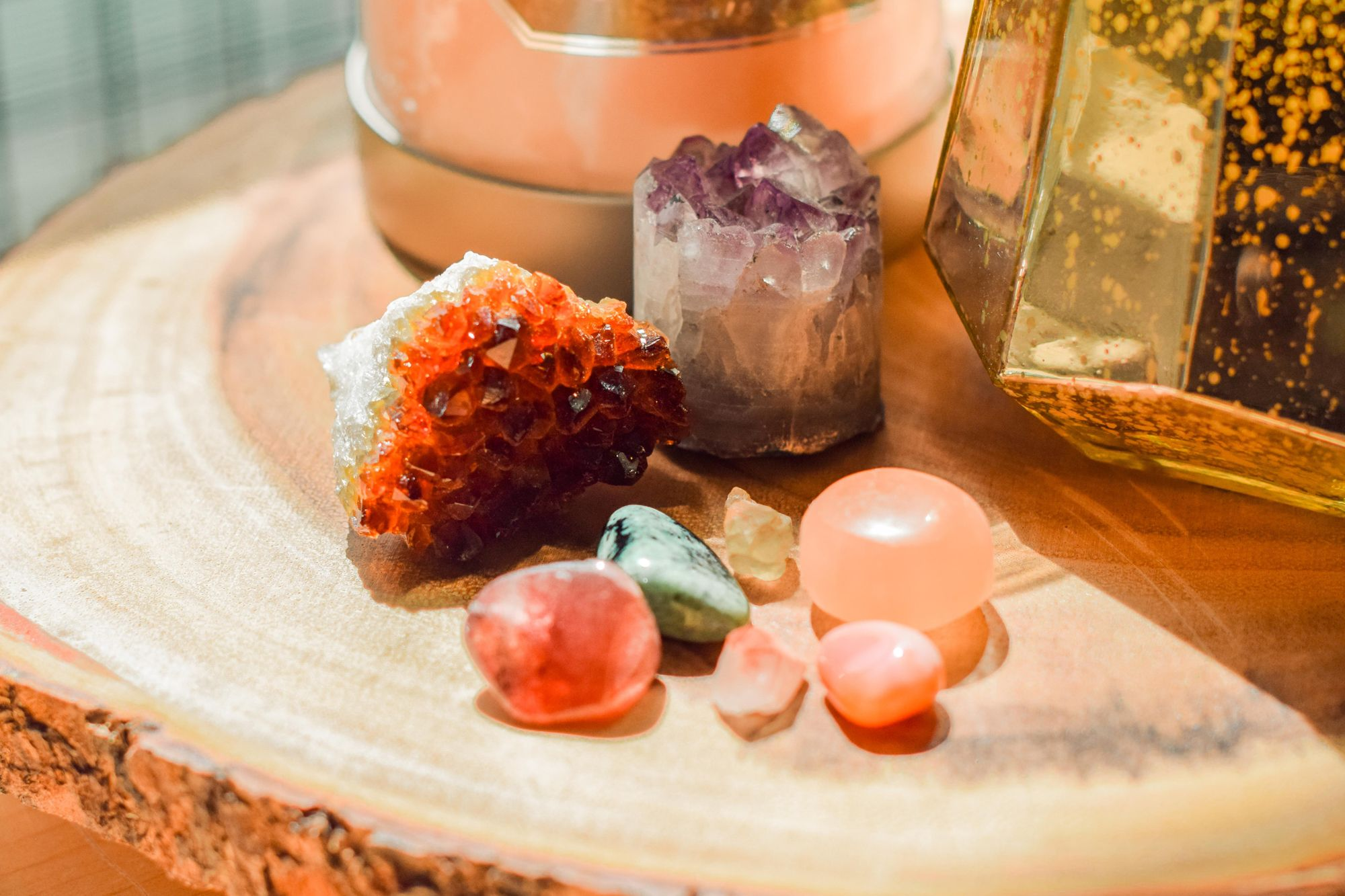Healing crystals each contain various effects and healing purposes