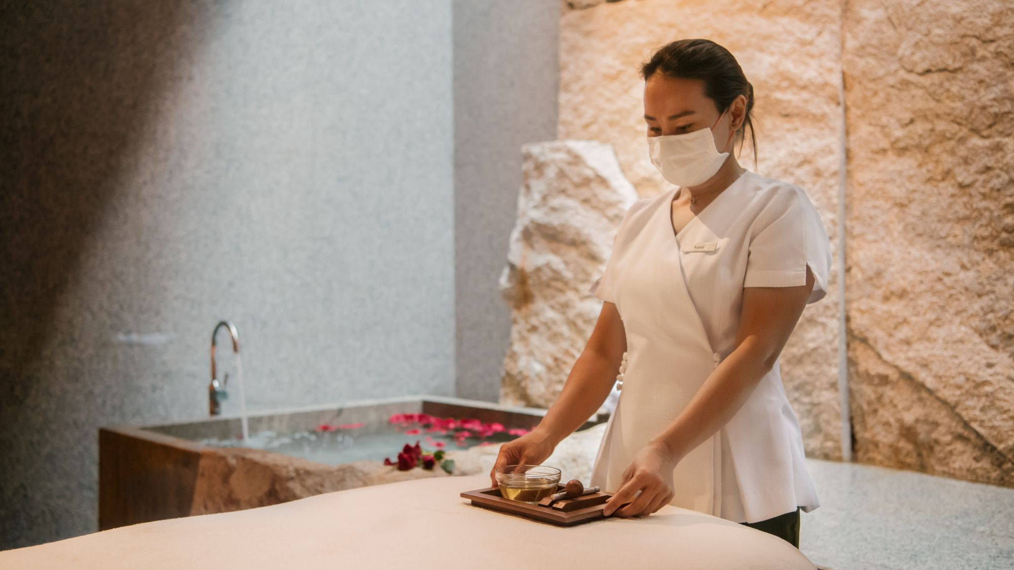 5 Luxurious Massages and Spa Treatments to Pamper Yourselves With
