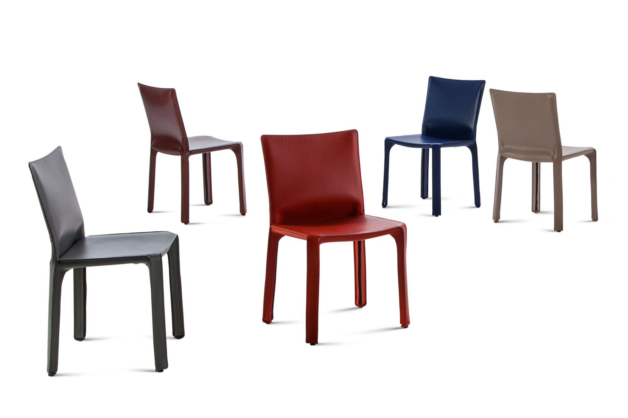 Vari tipi di sedie a mantella da casinò disegnate da Mario Bellini Immagine: Courtesy Casina