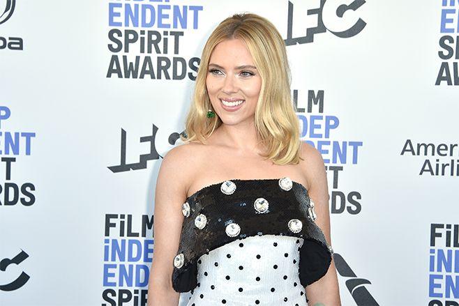 Scarlett Johansson attends the 2020 Film Independent Spirit Awards. (Photo: Getty Images)