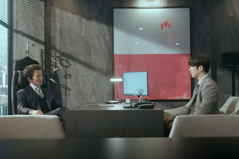 Atrakcyjny, oprawiony w ramy obraz w gabinecie Kanga stanowi wizualny punkt centralny, fot. dzięki uprzejmości TVN