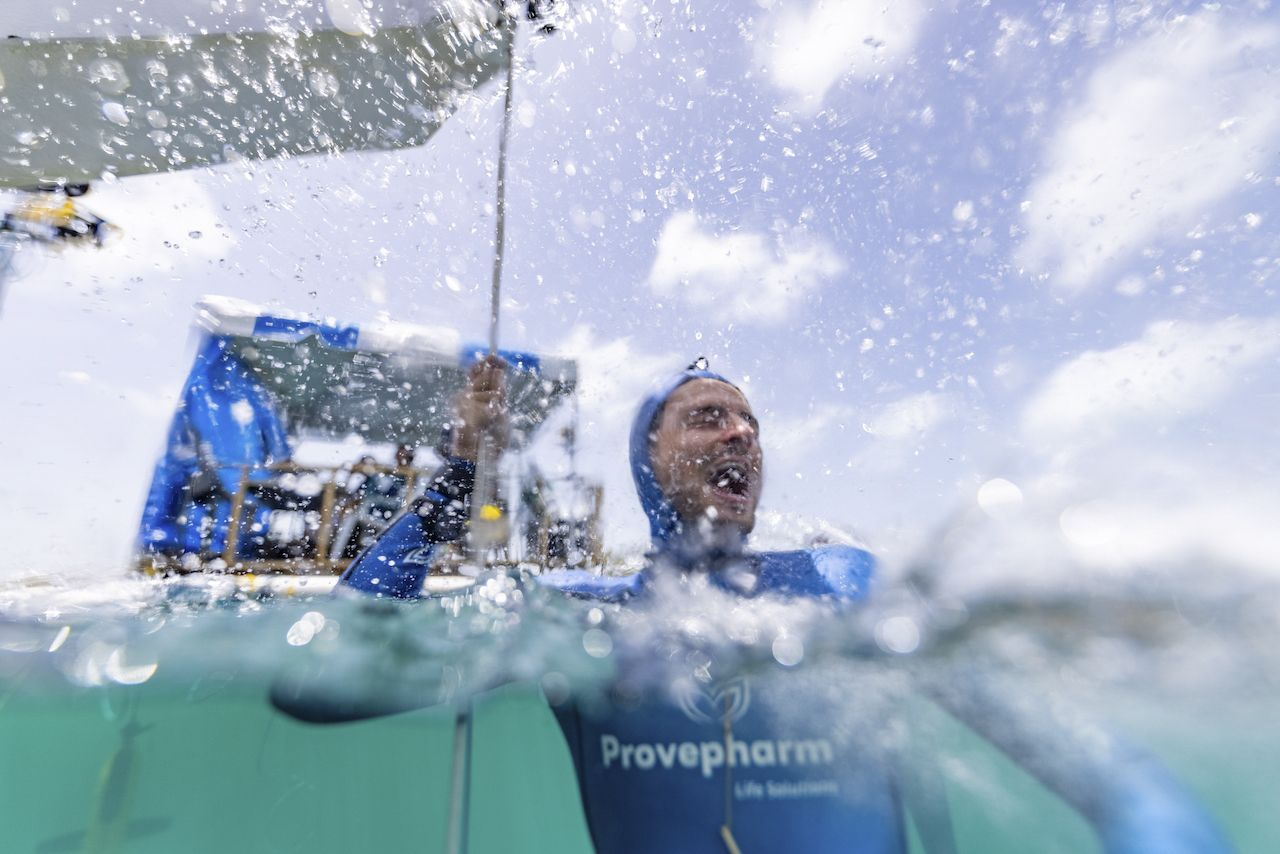 French Free Diver Arnaud Jerald Breaks 2 World Records at Vertical Blue 2021