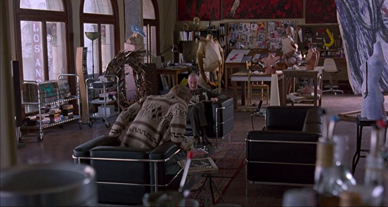 Der Big Lebowski verfügte über mehrere Sitzmöbel von Le Corbusier, darunter die Stühle LC2 und LC3 (Bild: Mit freundlicher Genehmigung von Arbeitstitelfilmen)