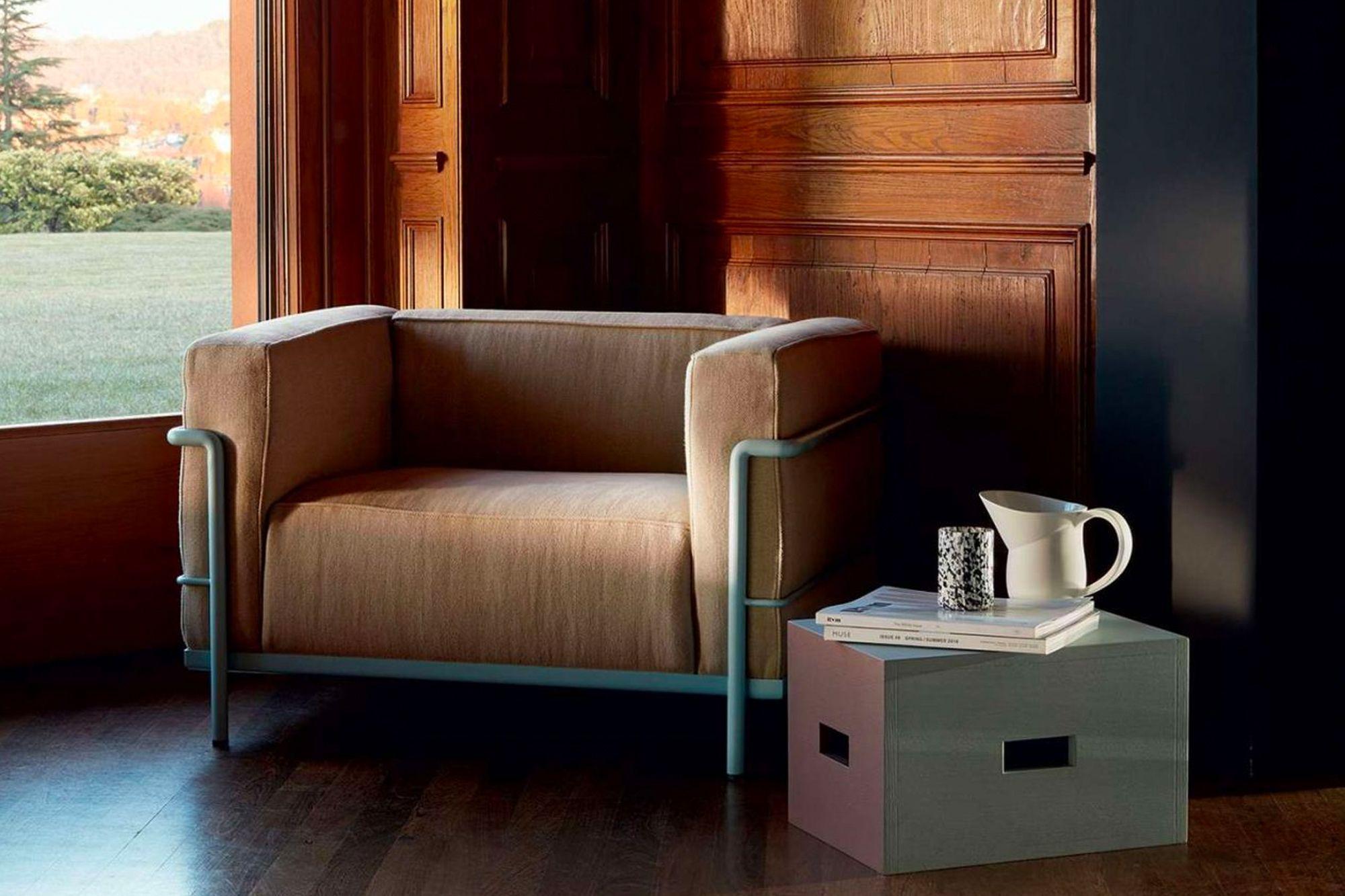 Le Corbusier ist dafür bekannt, einige der kultigsten und zeitlosesten Klassiker aller Zeiten zu entwerfen, darunter den würfelartigen Stuhl LC3 (Foto: Mit freundlicher Genehmigung von Cassina)