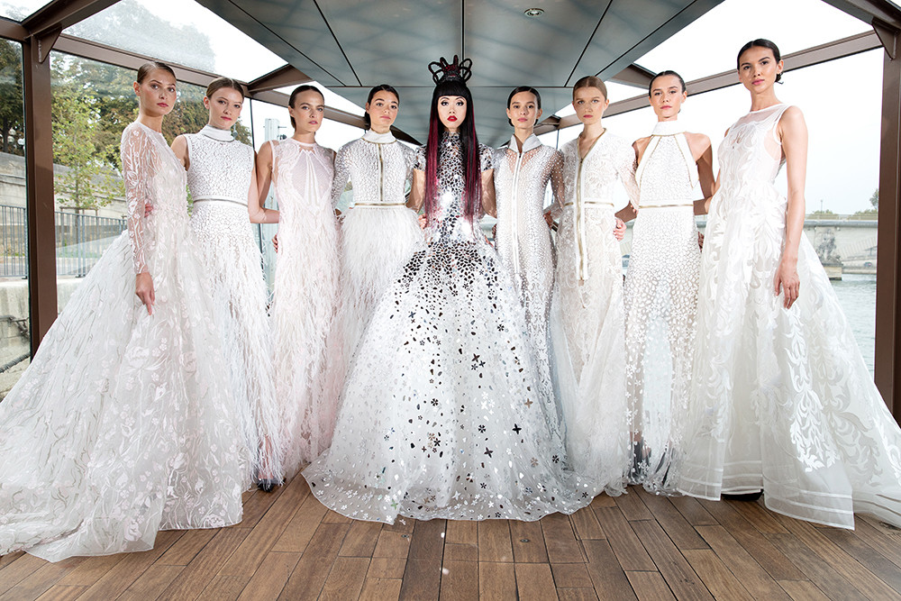 """Fashion Show Producer Jessica Minh Anh Presents 7th """"Catwalk On Water"""""""