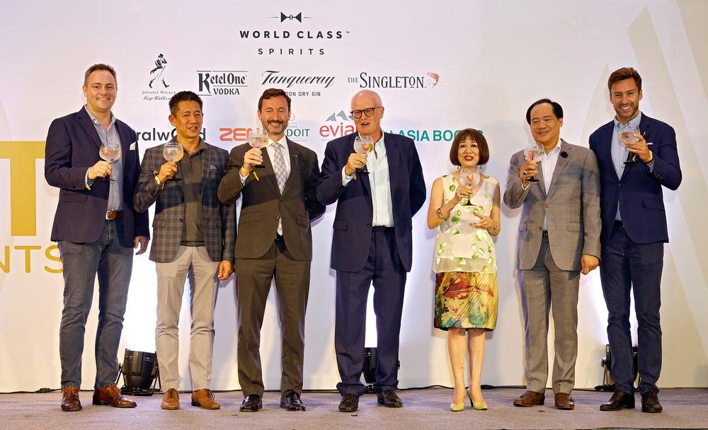 Lawrence Cordes, Ekarin Pinij, Alberto Ibeas, chairman Nigel Oakins, editor-in-chief Naphalai Areesorn, Pakorn Partanapat and Alexander Carroll